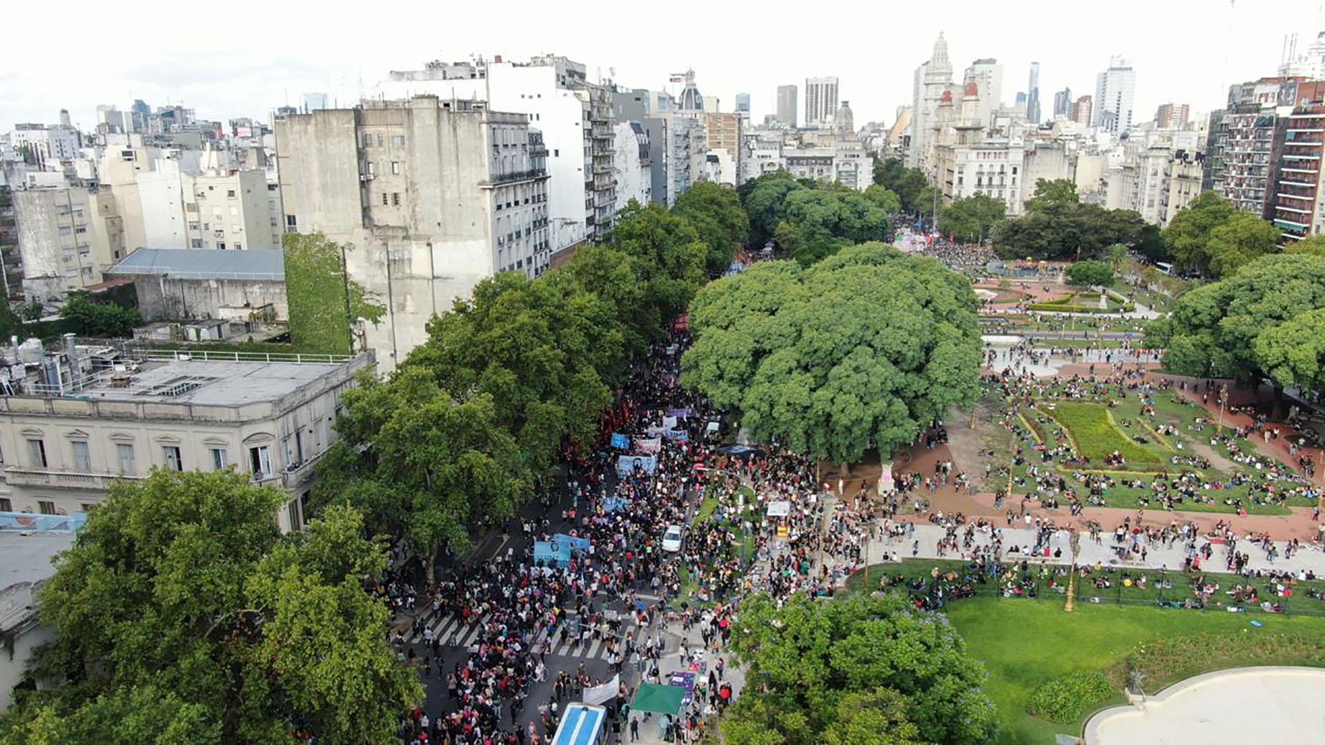 La marcha comenzó en la Plaza de los dos Congresos para culminar frente a la Casa Rosada (Thomas Khazki)