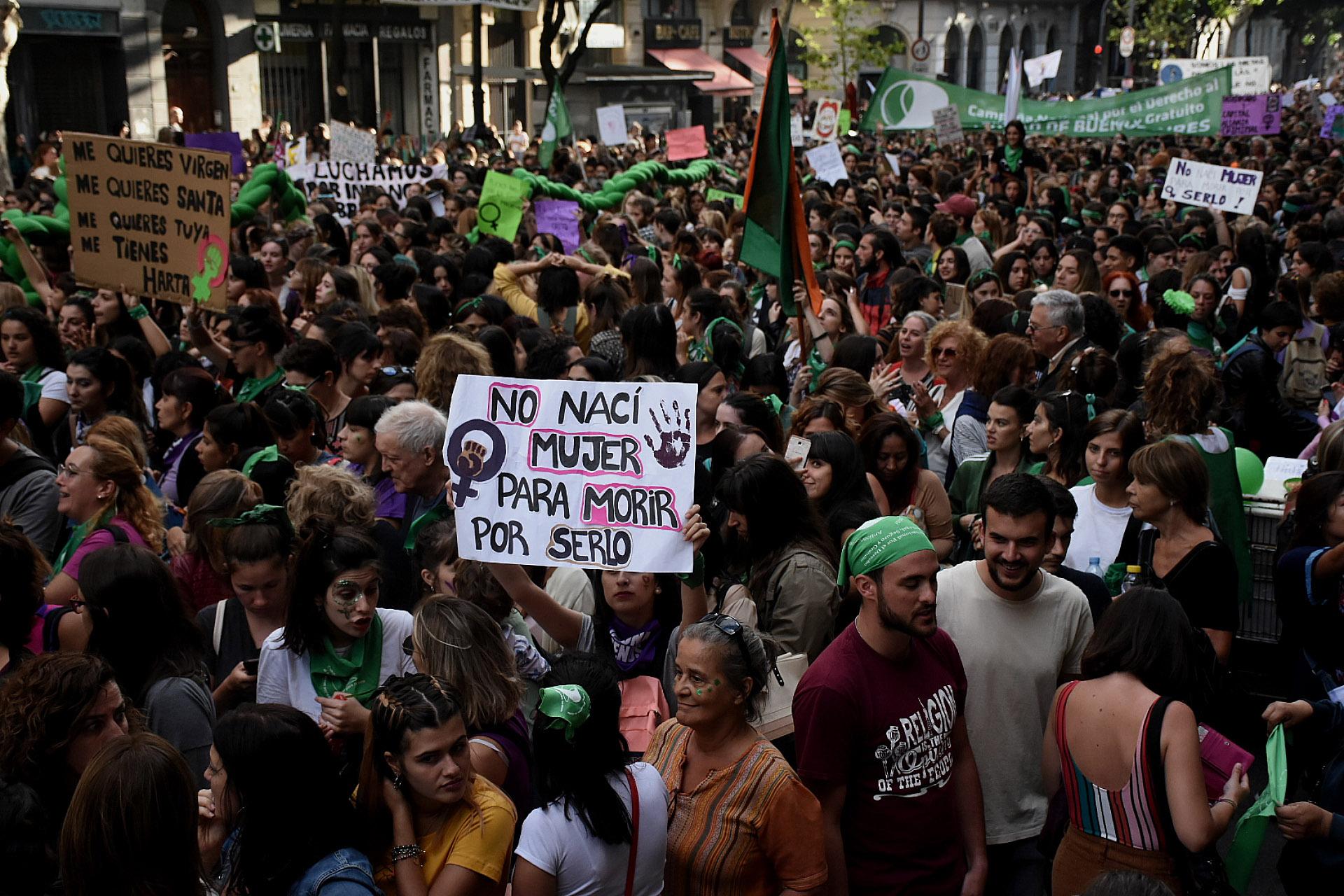 Aunque predominaron las mujeres, algunos varones también participaron de la marcha (Nicolás Stulberg)