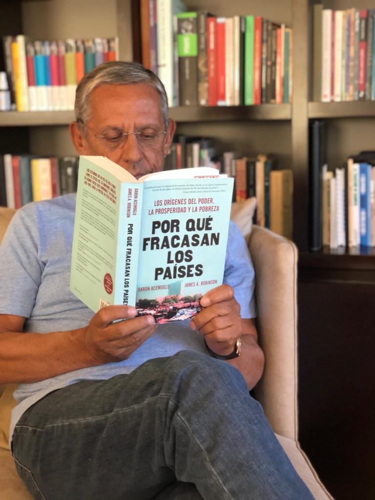 Los ensayos políticos y especialmente la mirada liberal del toscano Giovanni Sartori, entre las lecturas favoritas del candidato de Cambiemos