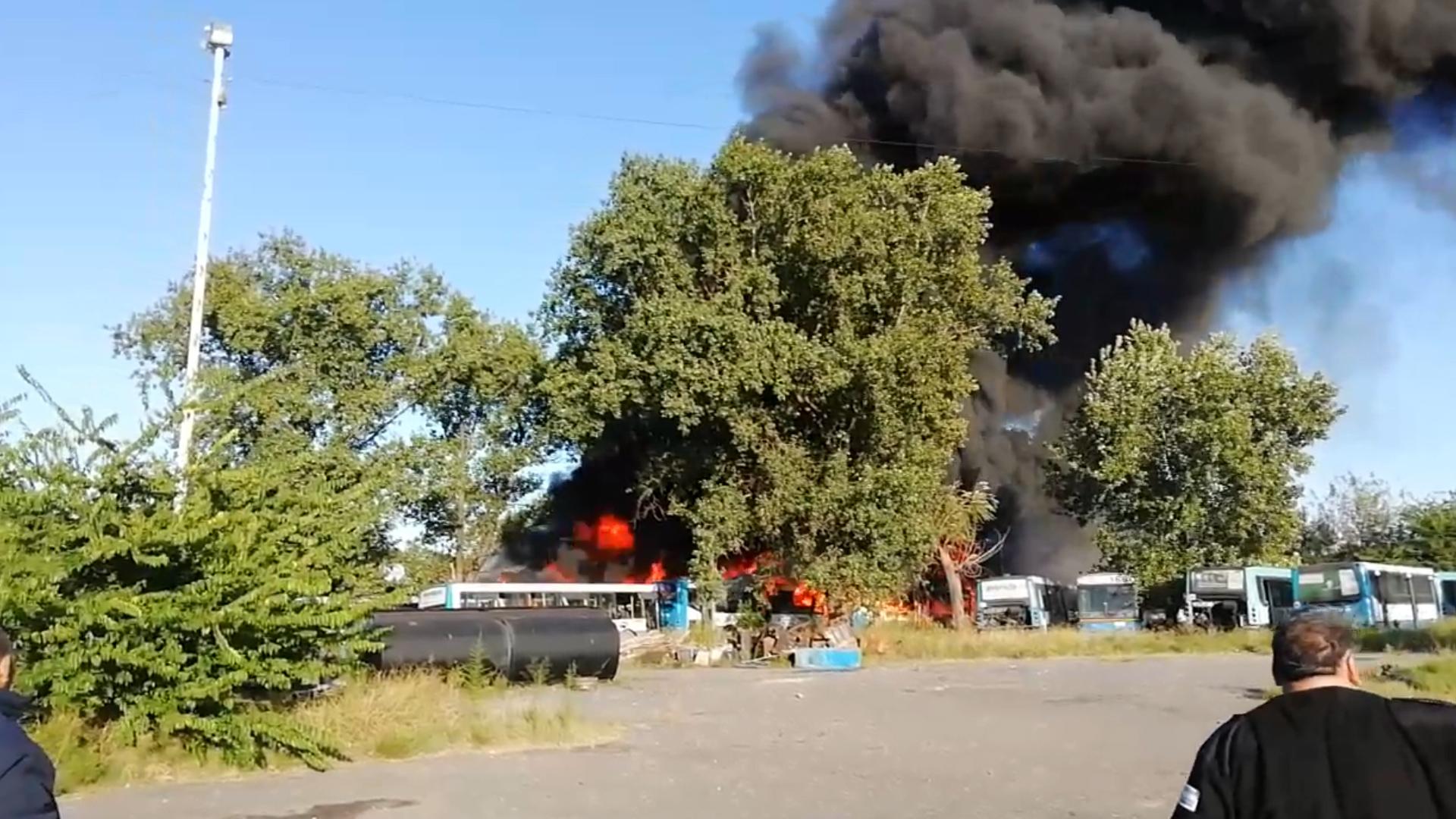 El incendio ocurrió durante la mañana del sábado en Monte Grande