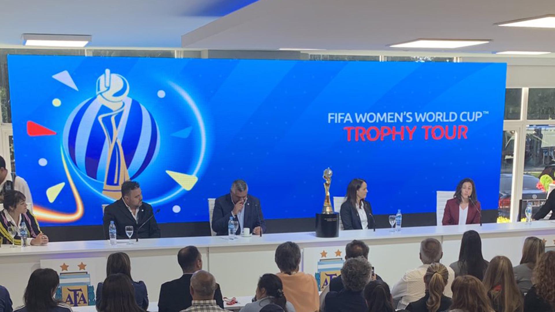 La conferencia de prensa de autoridades de AFA y FIFA se realizó en el predio de Ezeiza
