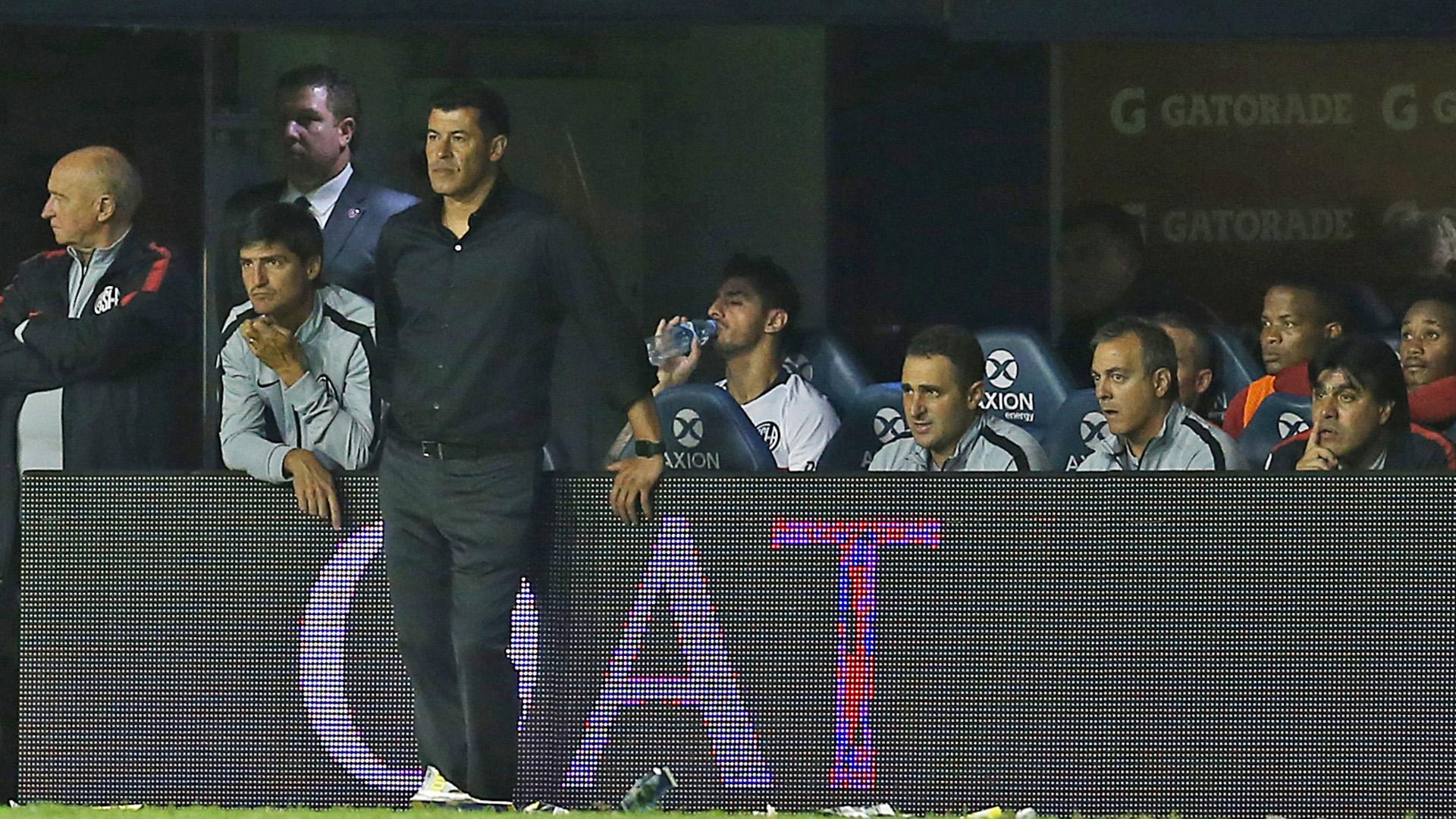 Jorge Almirón no conoce el triunfo desde que se transformó en el entrenador de San Lorenzo. (FotoBaires)