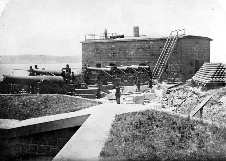 Los trabajadores que construyeron alcatraz edificaron sobre una fortaleza militar y dejaron sus pasadizos y edificios ocultos bajo tierra (Foto: Binghamton University)