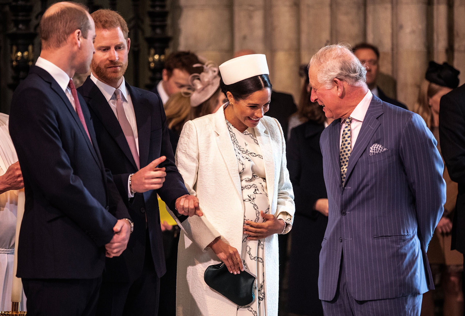 Meghan Markle se muestra cercana a su suegro el príncipe Carlos, la duquesa se encuentra transitando su octavo mes de embarazo.