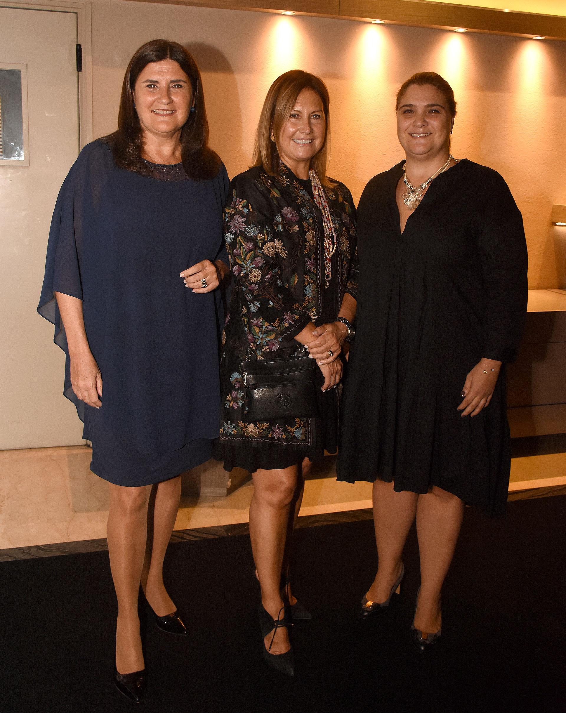 Paula Torres, Lili Monsegou y Marcela Noble Herrera