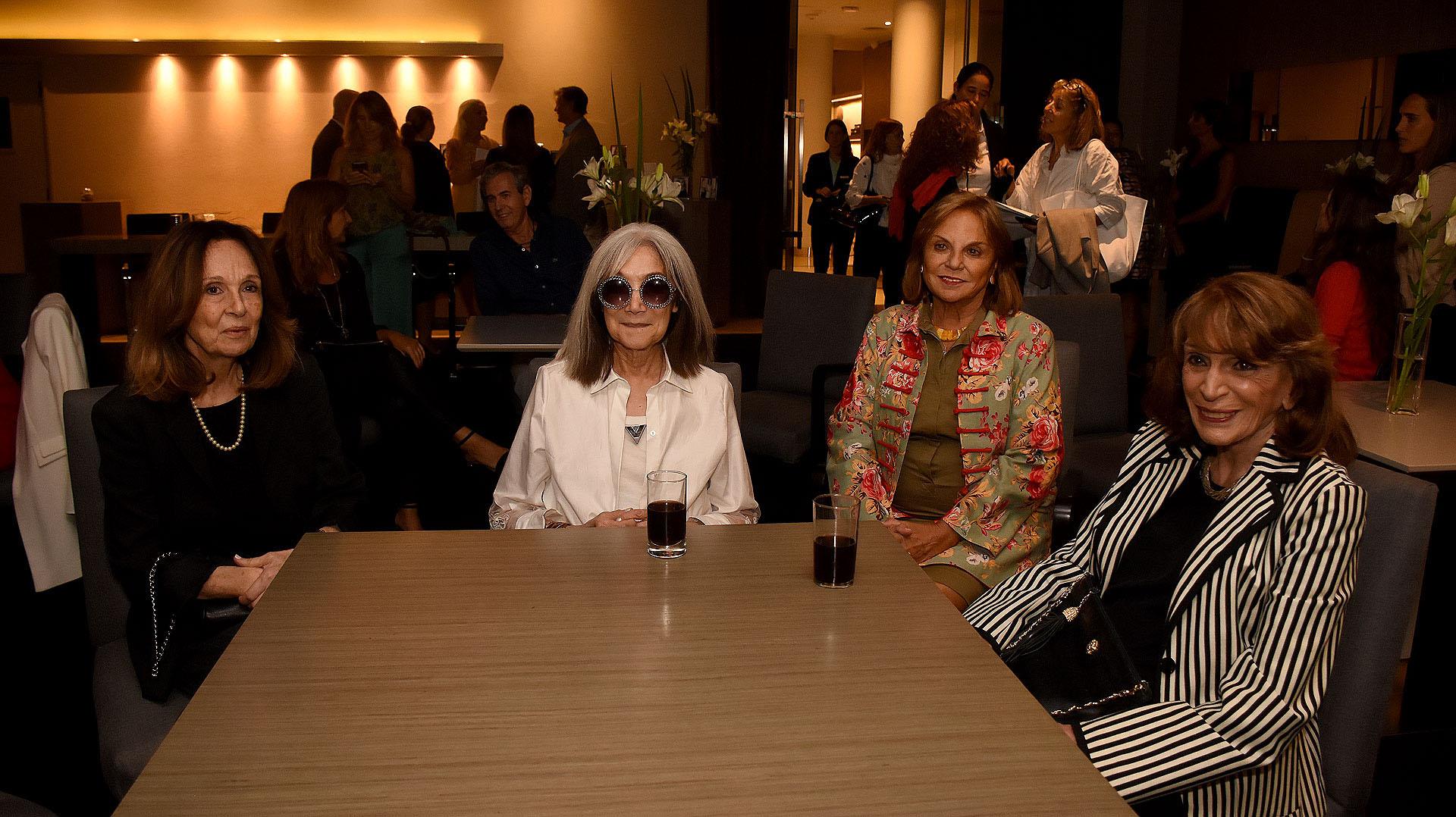 Lucía Uriburu, María Kodama, Eugenia Rossi y Magdalena Ruiz Guiñazú