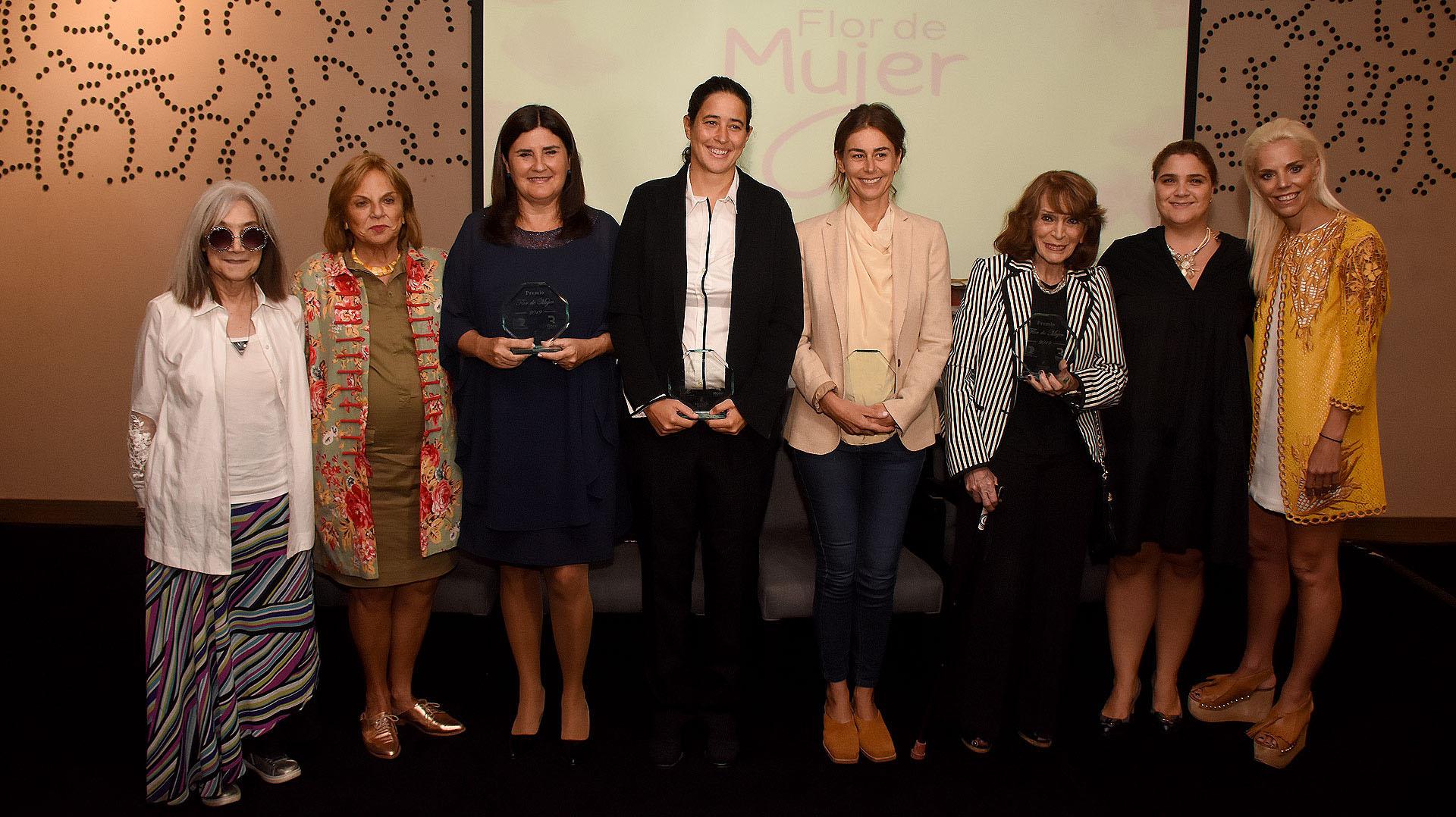 Esta es la sexta edición del Premio Flor de Mujer que distingue aquellas personalidades que su motivación es la solidaridad y de esta manera buscan contribuir en la construcción de un país mejor