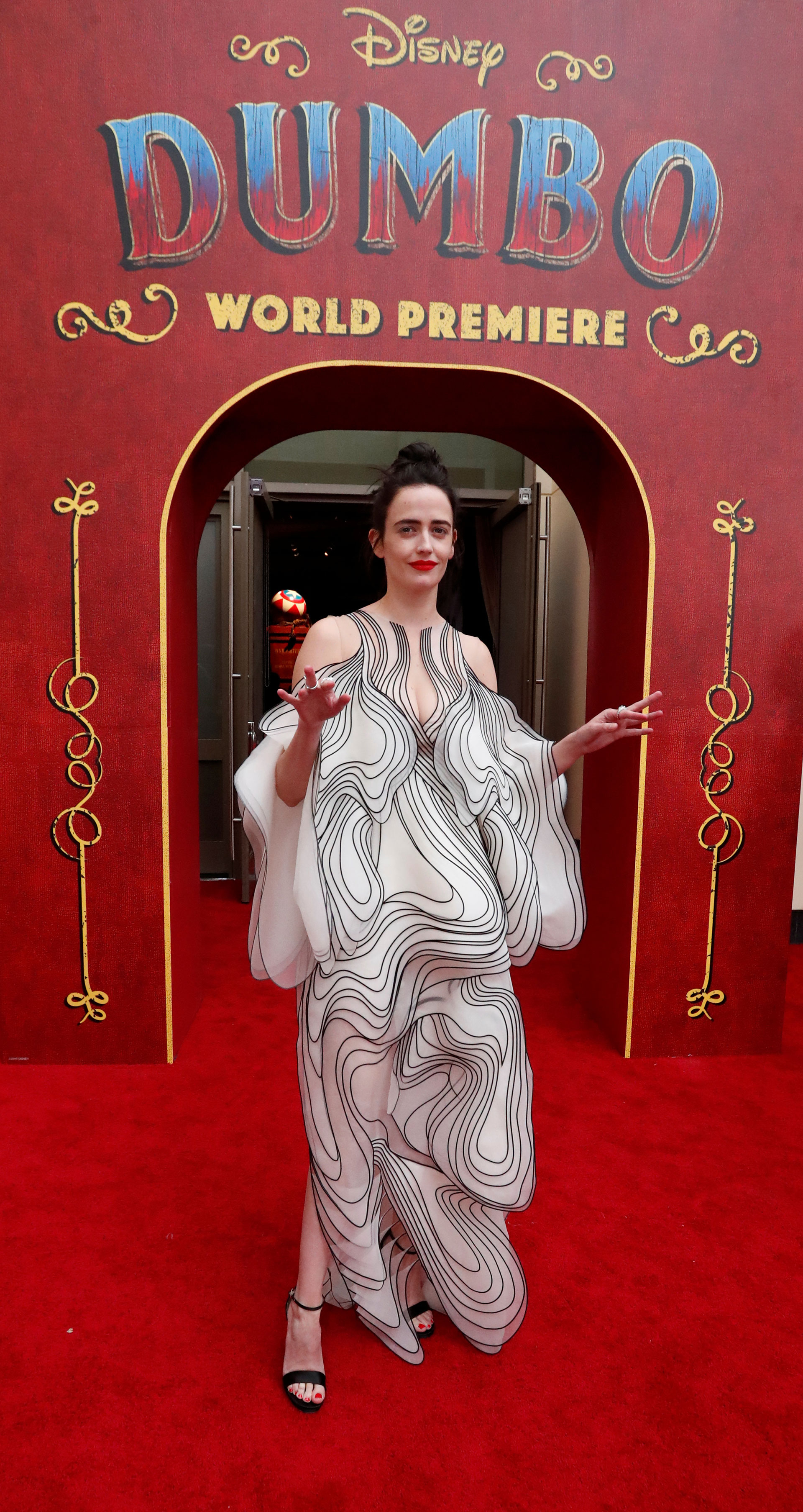 Eva Green con un espectacular diseño de autor de Iris Van Herpen