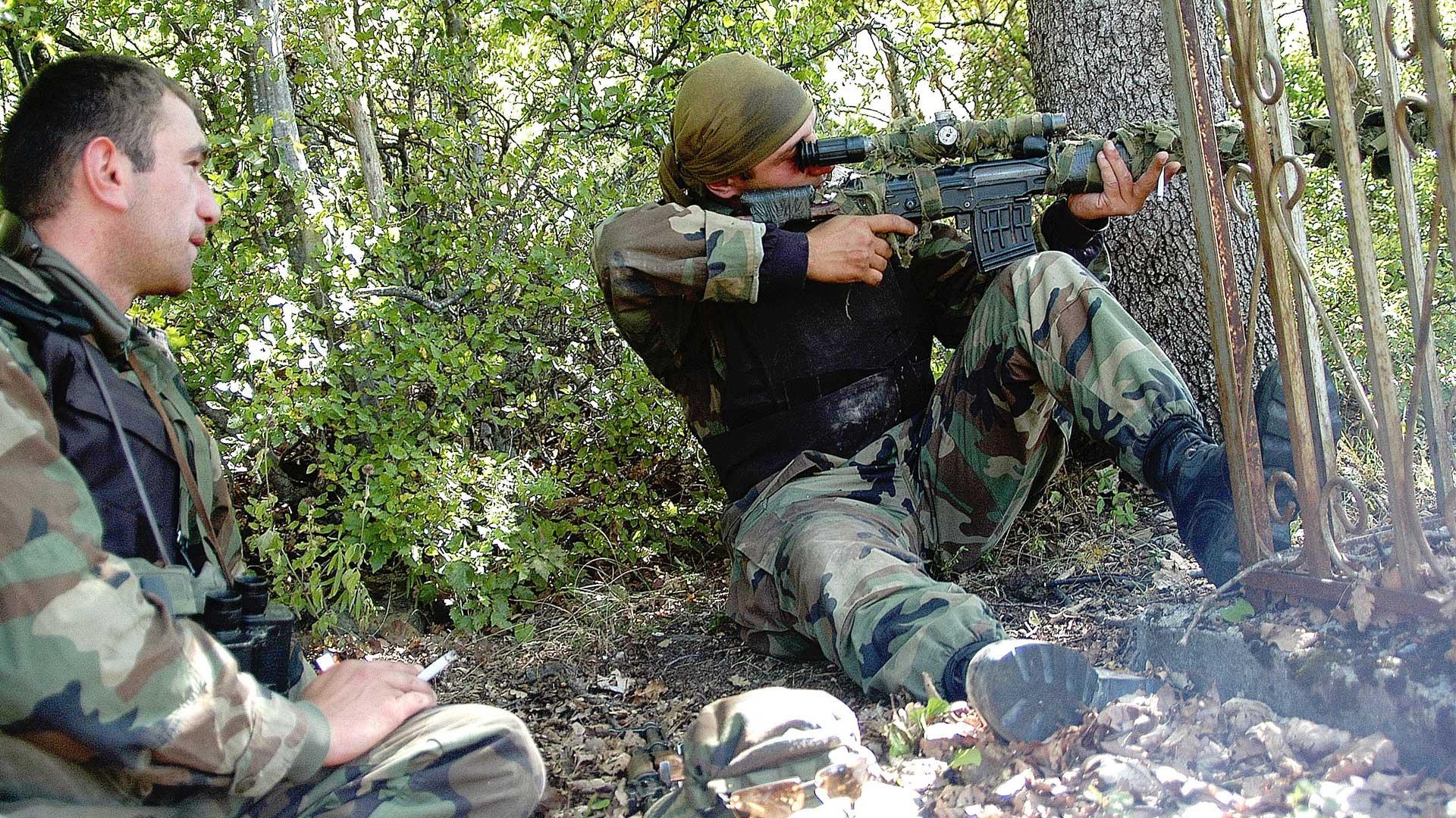 Francotiradores georgianos durante enfrentamientos en 2004. Foto: AFP.