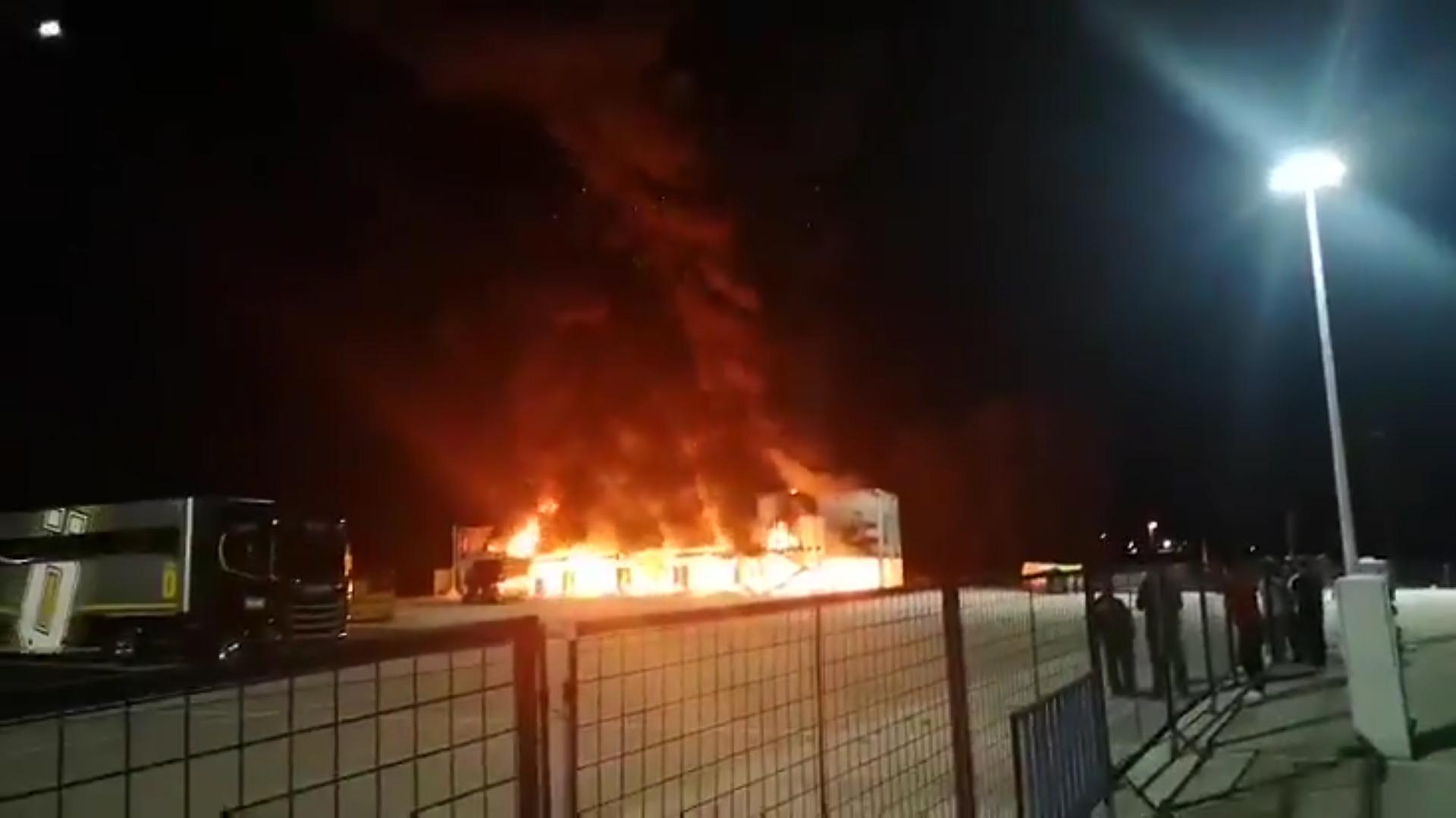 Las llamas alcanzaron los seis metros de altura según informaron medios españoles
