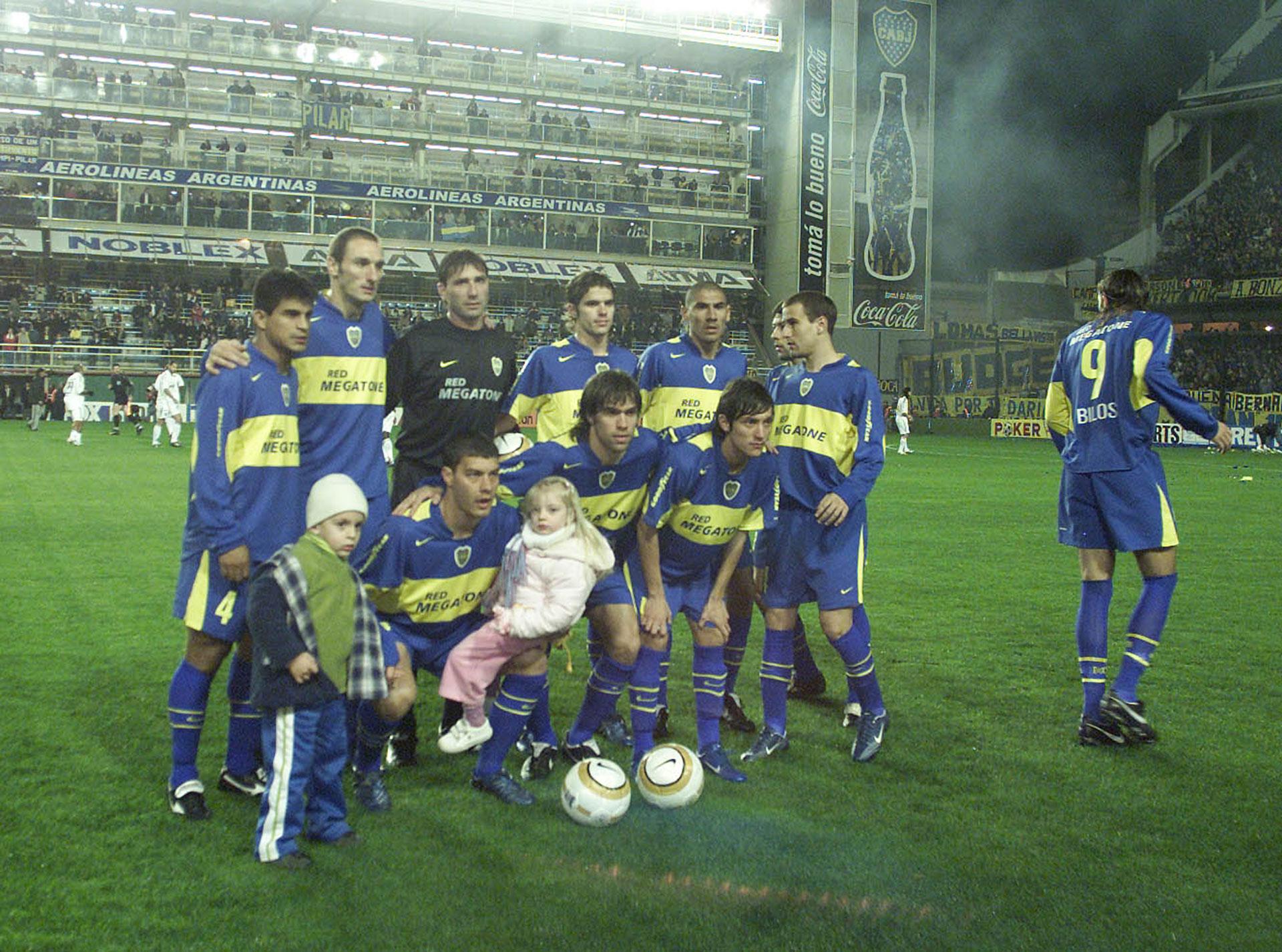 Recopa Sudamericana 2005: Boca derrotó en la ida a Once Caldas y luego festejó en Colombia (Foto Baires)