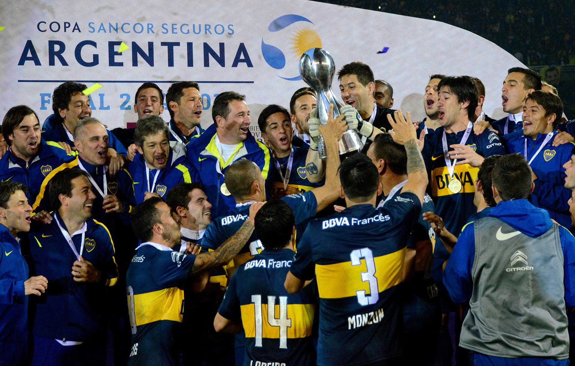Copa Argentina 2015: tres su vuelta al club, Gago sumó una nueva estrella con el certamen nacional ante Rosario Central (Foto Baires)
