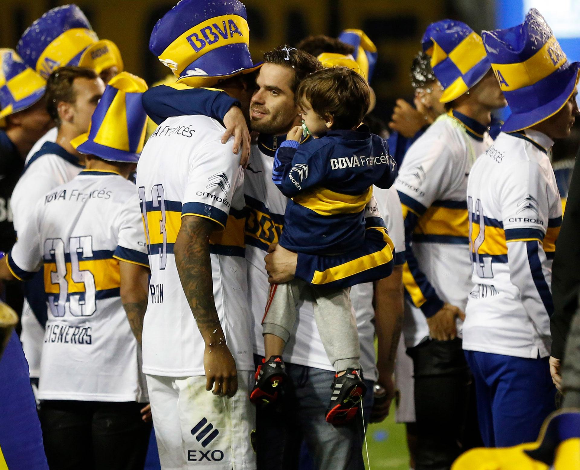 Campeonato 2015: recuperándose de una lesión, festejó junto a sus compañeros el título nacional a los pocos días de levantar la Copa Argentina (Foto Baires)