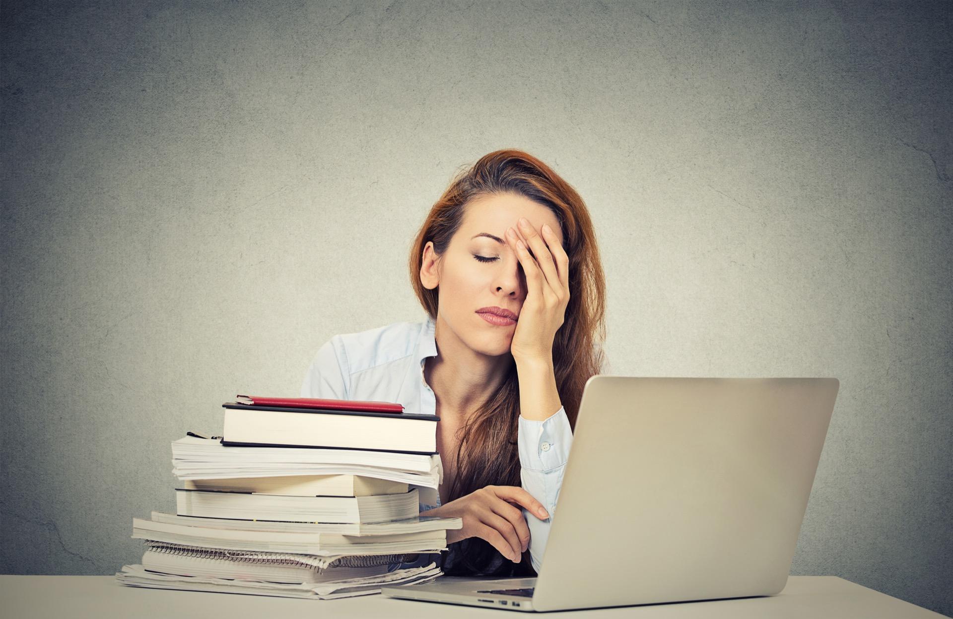 Dormir mal tiene sus consecuencias en el rendimiento diario, la salud y la belleza.
