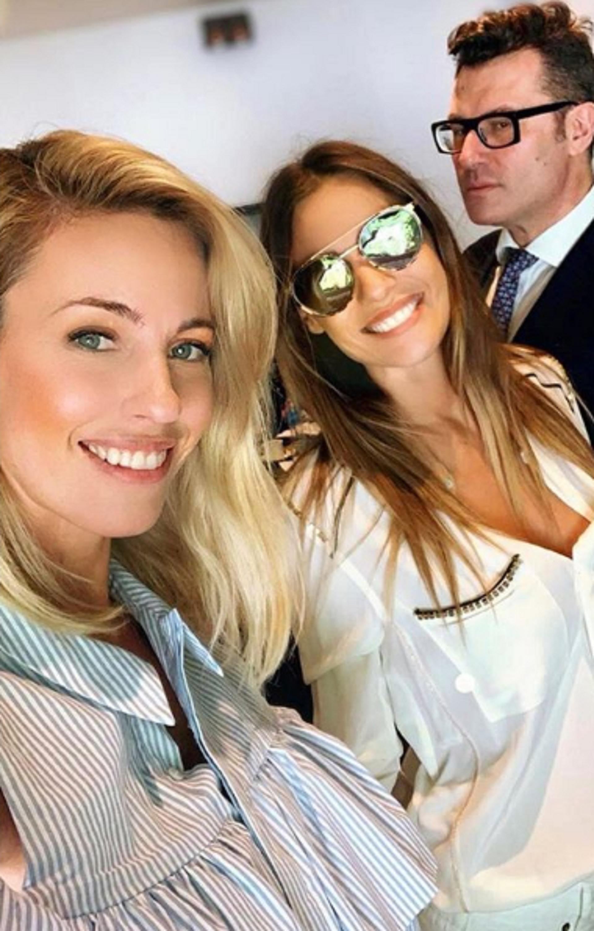 """Pampita regresa a la televisión y compartió una foto con Rocío Guirao Díaz y Gabriel Olivieri, quienes serán sus compañeros en el ciclo """"Pampita Online"""" (Foto: Instagram)"""