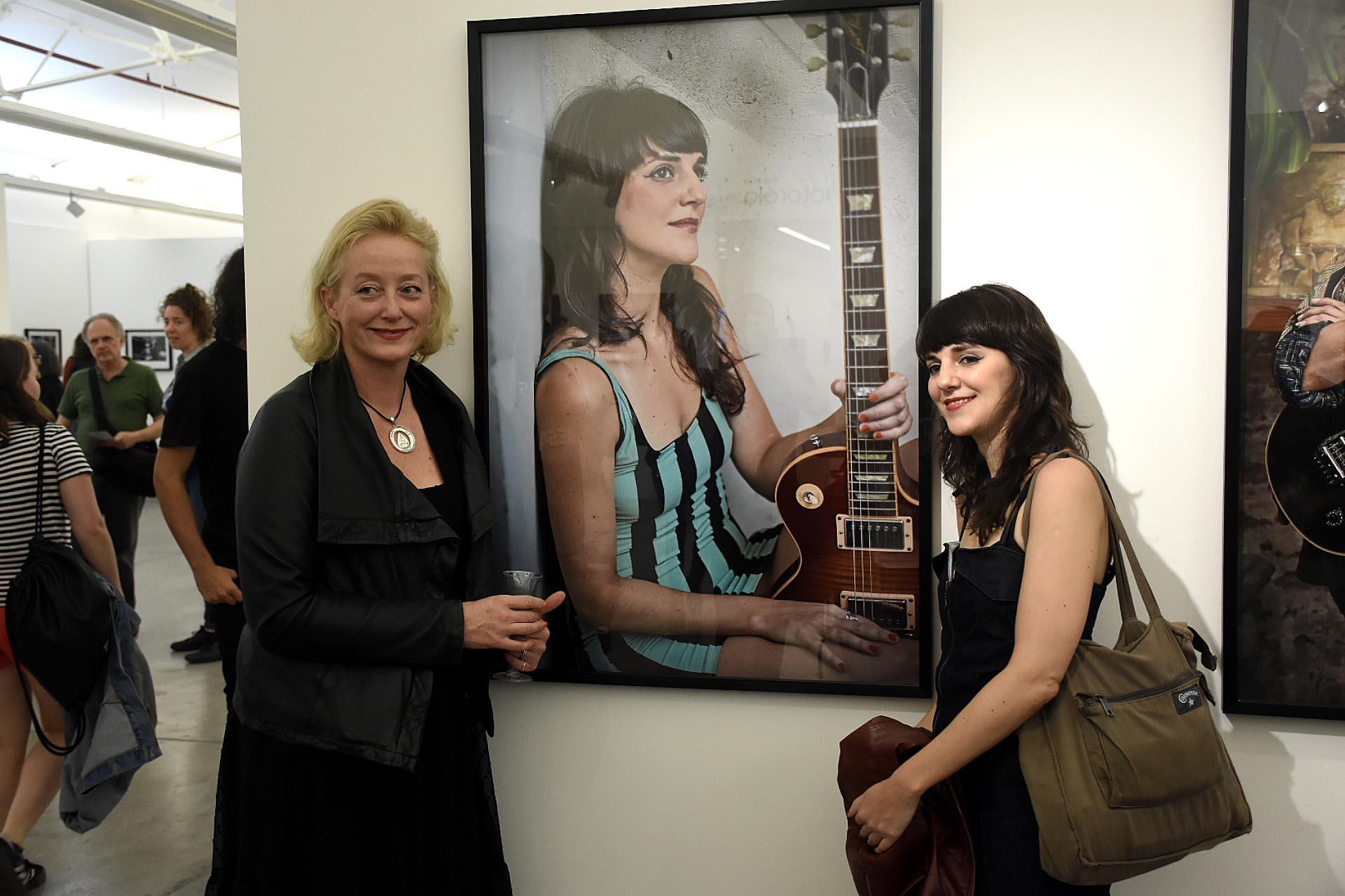 Junto a la guitarrista argentina Lucrecia López Sans