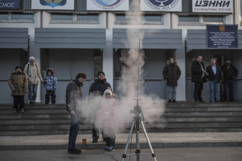 Un cohete pequeño lanzado con éxito como parte de las clases en el cosmódromo. (Maxim Babenko/The New York Times)