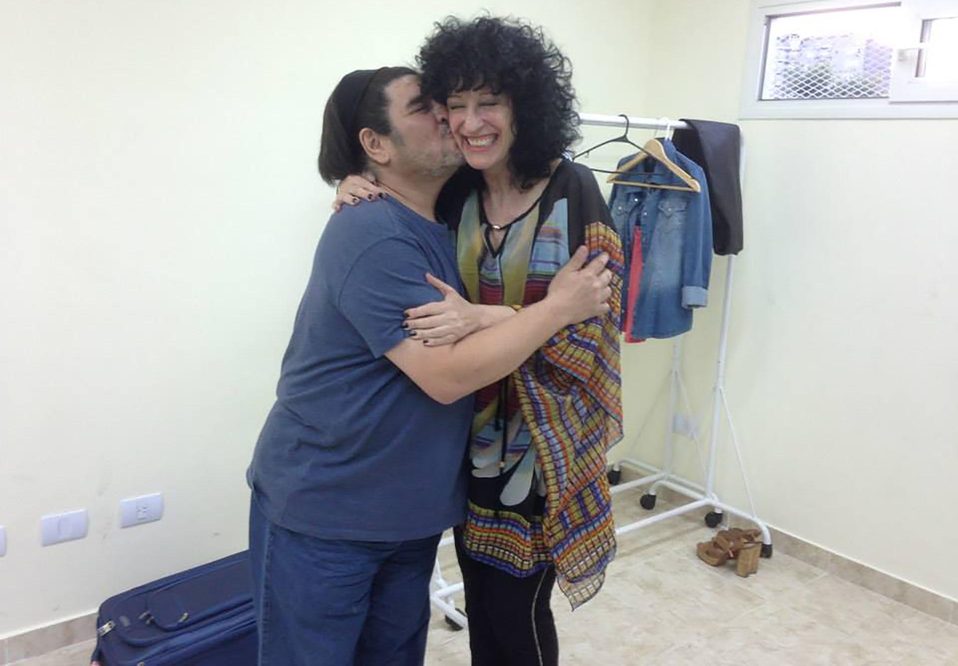 Fabián con Julia Zenko (Facebook)