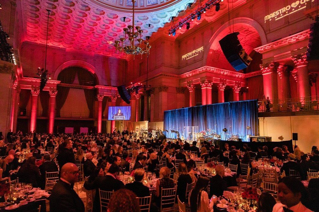 La premiación se llevó a cabo en Nueva York (Foto: Facebook/MaestroCaresFoundation)