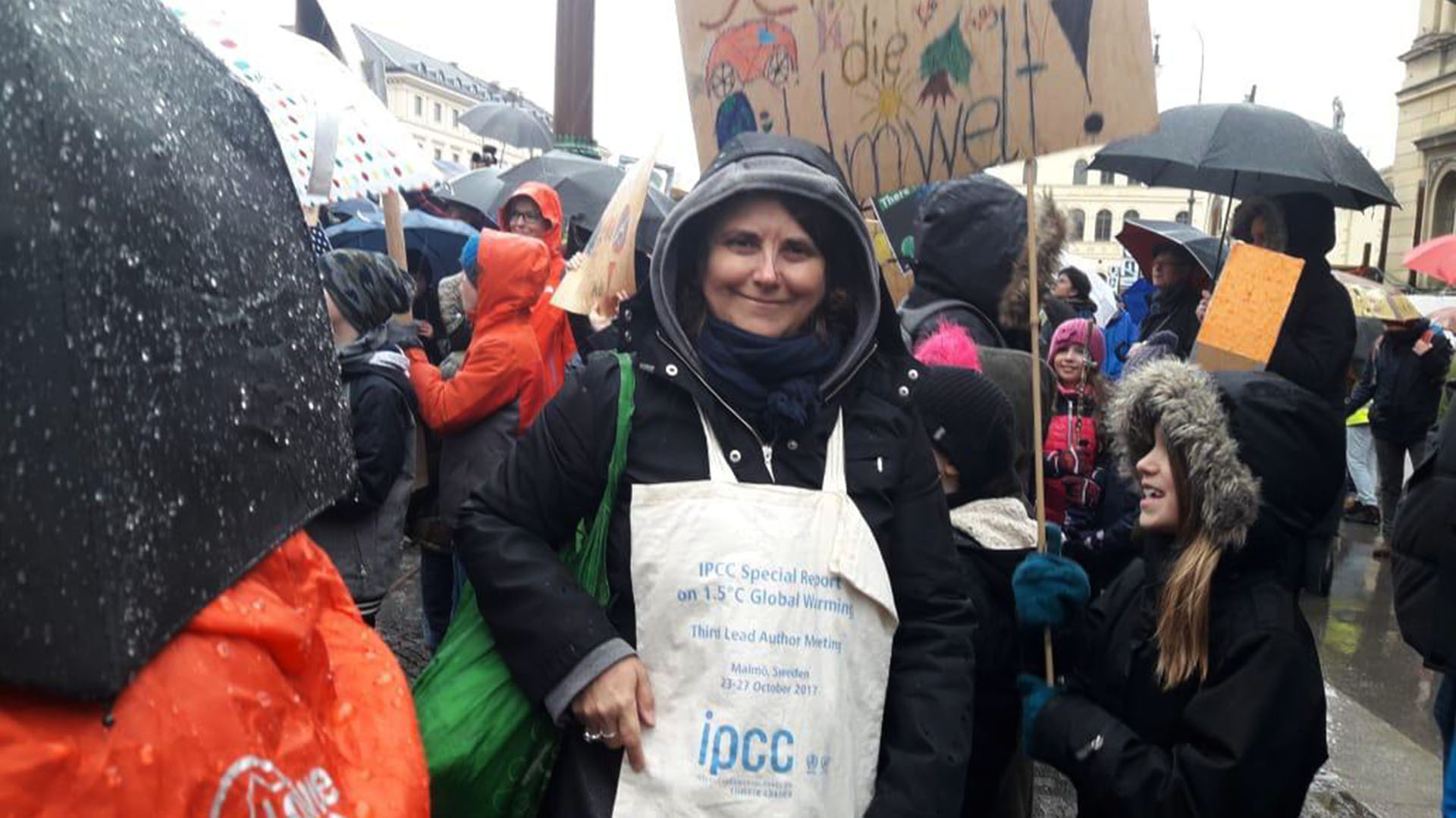La científica argentina Carolina Vera participó de la marcha en Munich