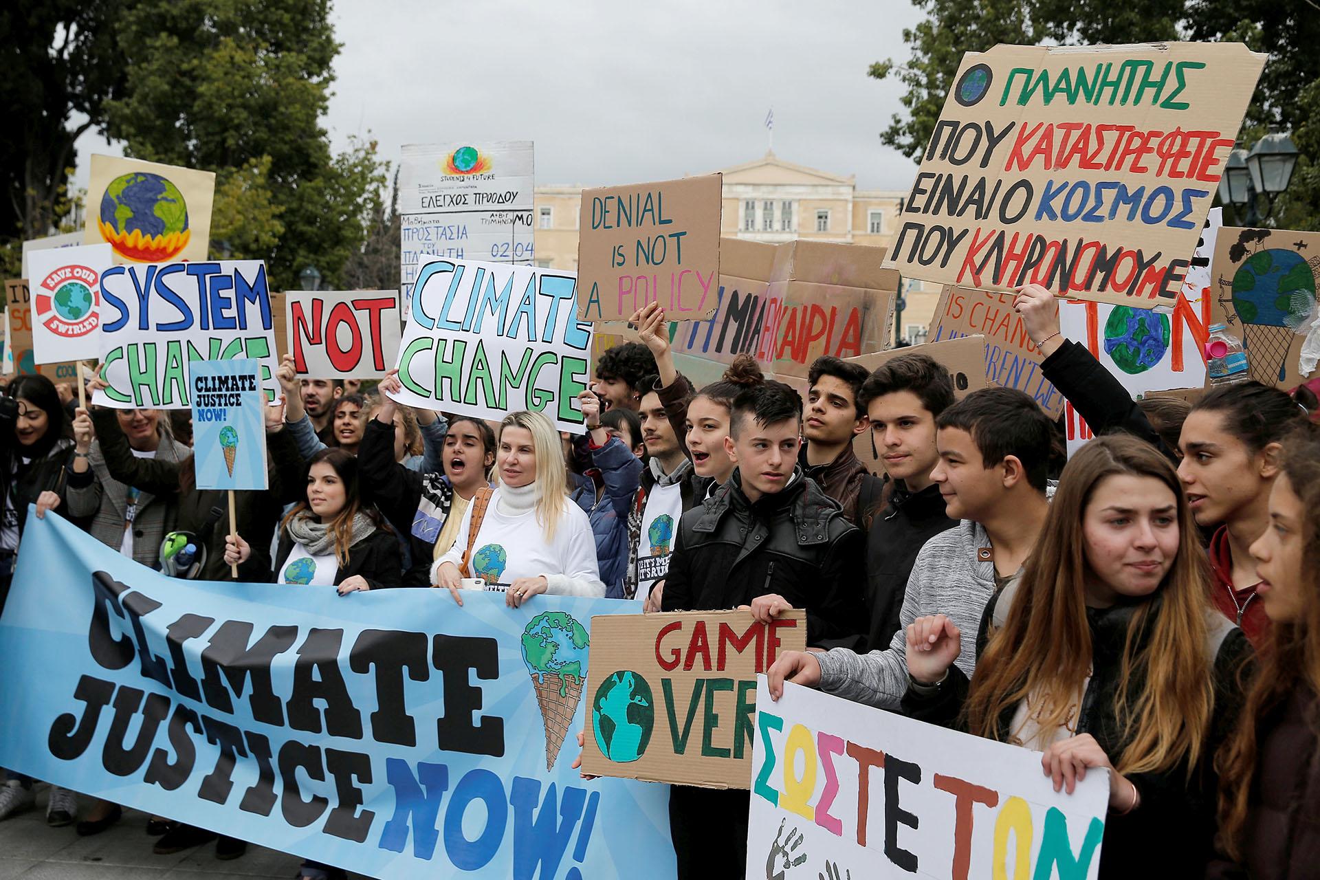 Los estudiantes griegos salieron a las calles de Atenas