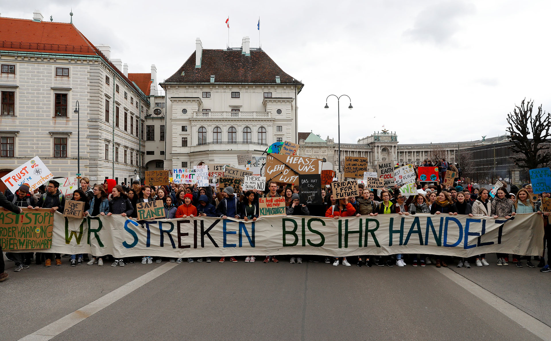 """""""Estamos en huelga hasta que lleves a cabo alguna acción"""", reclaman los estudiantes en Viena"""