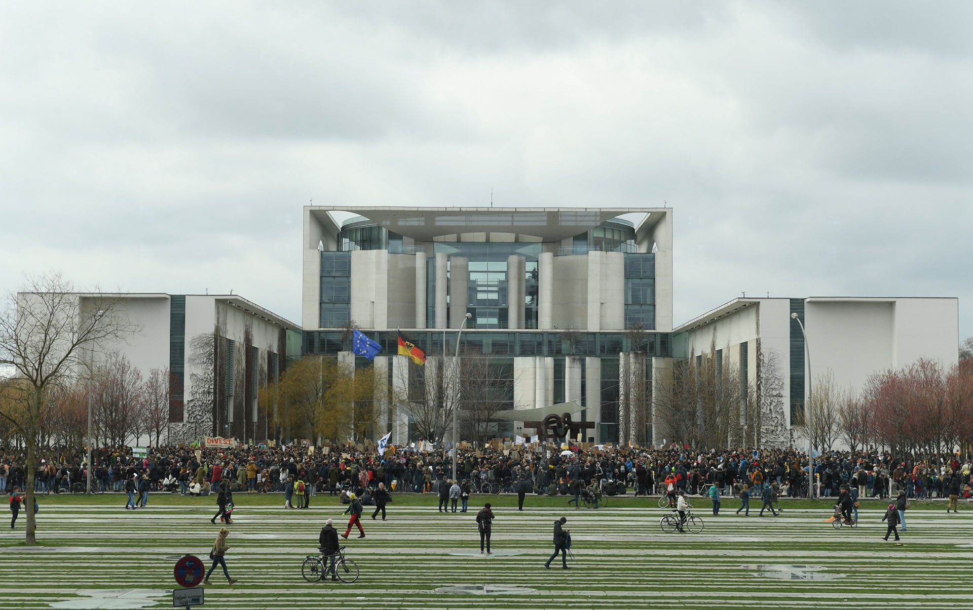 En Berlín, Alemania, la concentración principal tuvo lugar frente a la Cancillería