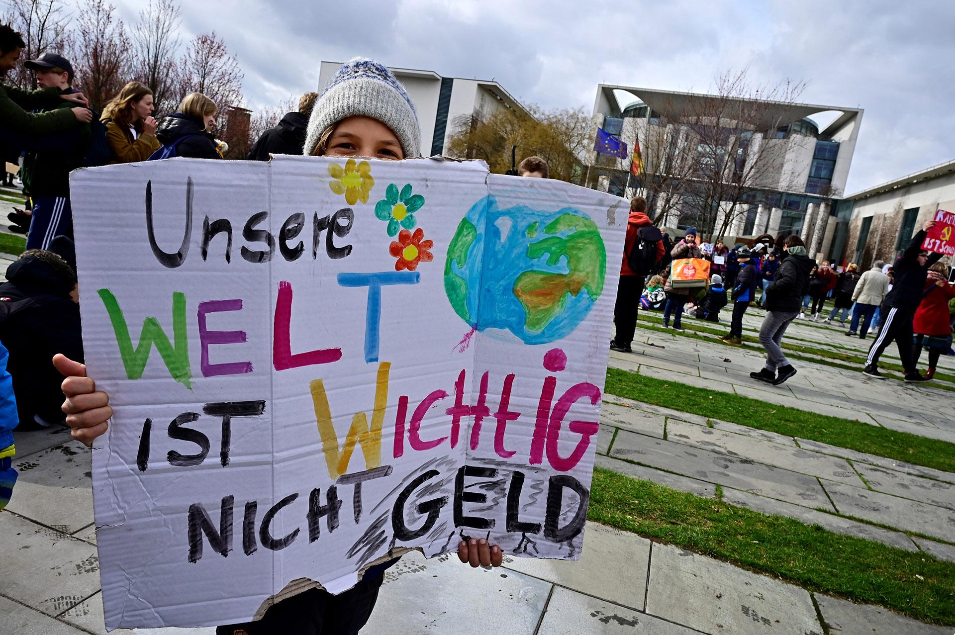Greta Thunbergacampó fuera del parlamento sueco en Estocolmo el año pasadoexigiendo una respuesta de los líderes mundiales al calentamiento global(Foto: Tobias SCHWARZ / AFP)