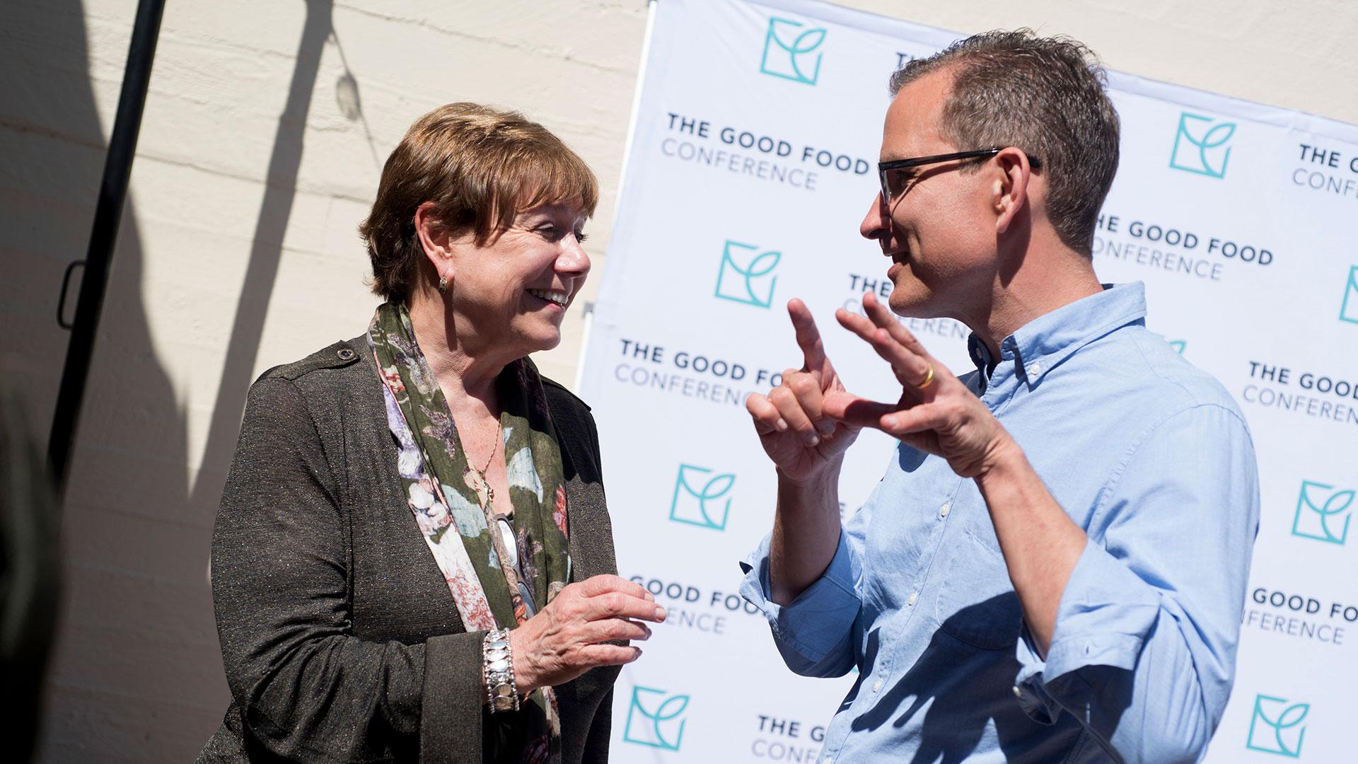 Friedrich con Ann Veneman, exsecretaria de Agricultura de Estados Unidos, en una conferencia del Good Food Institute el año pasado (Credit Good Food Institute)