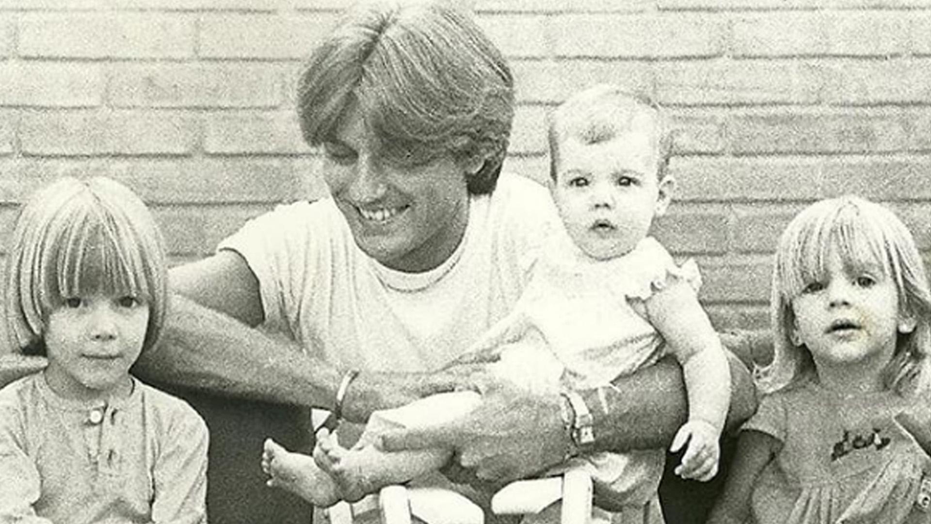 Después de que Sergio Denis se haya accidentado, Federico Hoffmann, el hijo del cantante, le dedicó un saludo por su cumpleaños, preocupado por el grave estado en el que se encuentra
