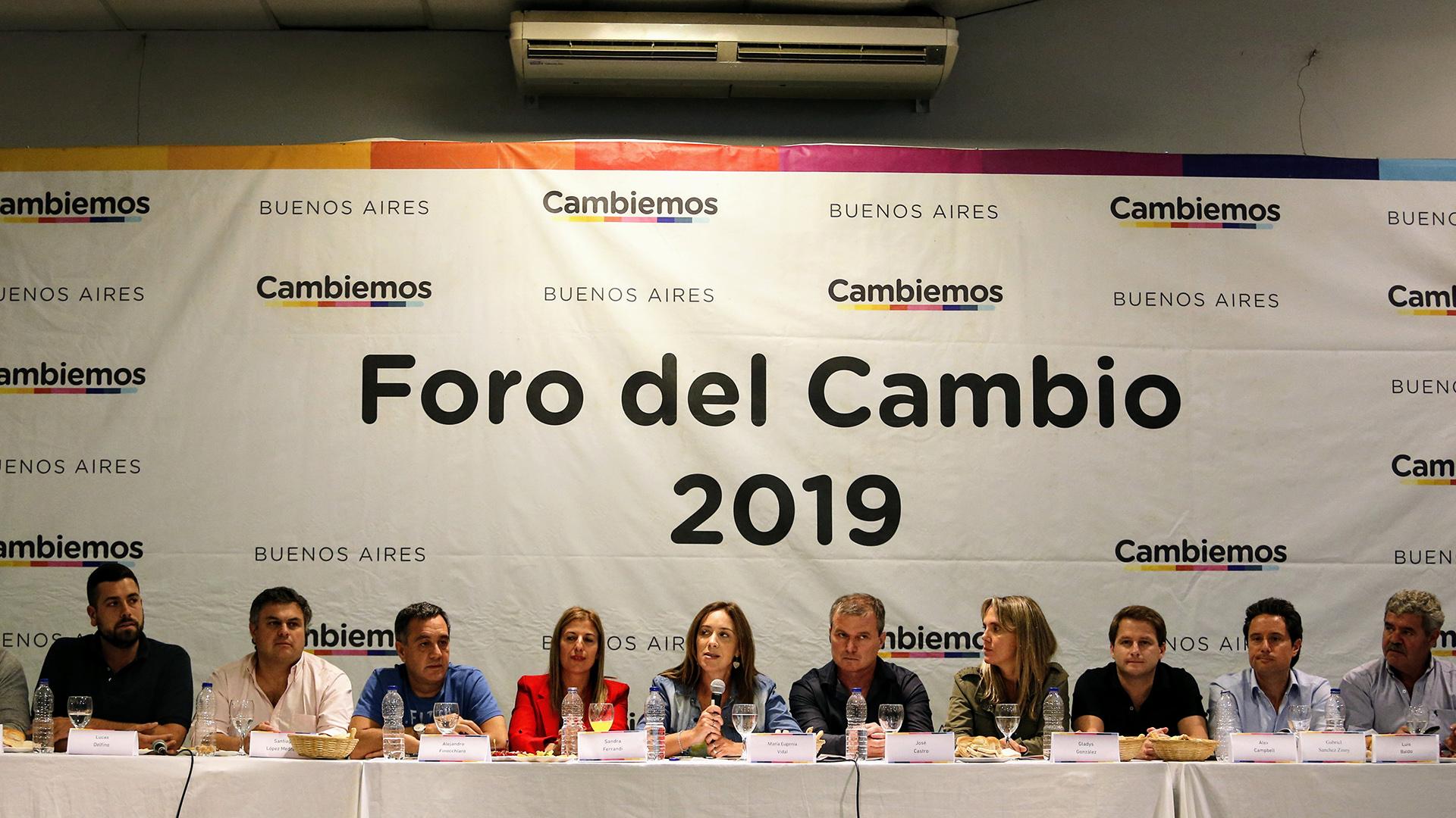 """Los """"Sin Tierra"""" se reunieron con Vidal en el salón de los Bomberos Voluntarios de Monte. (Nicolás Aboaf)"""