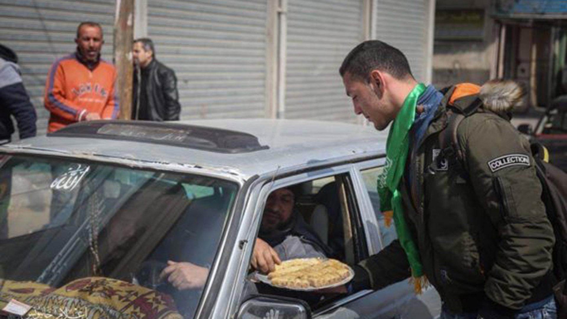 """Los terroristas dijeron también que """"felicitan el atentado y saludan a los héroes rebeldes en Cisjordania"""" (Aurora)"""