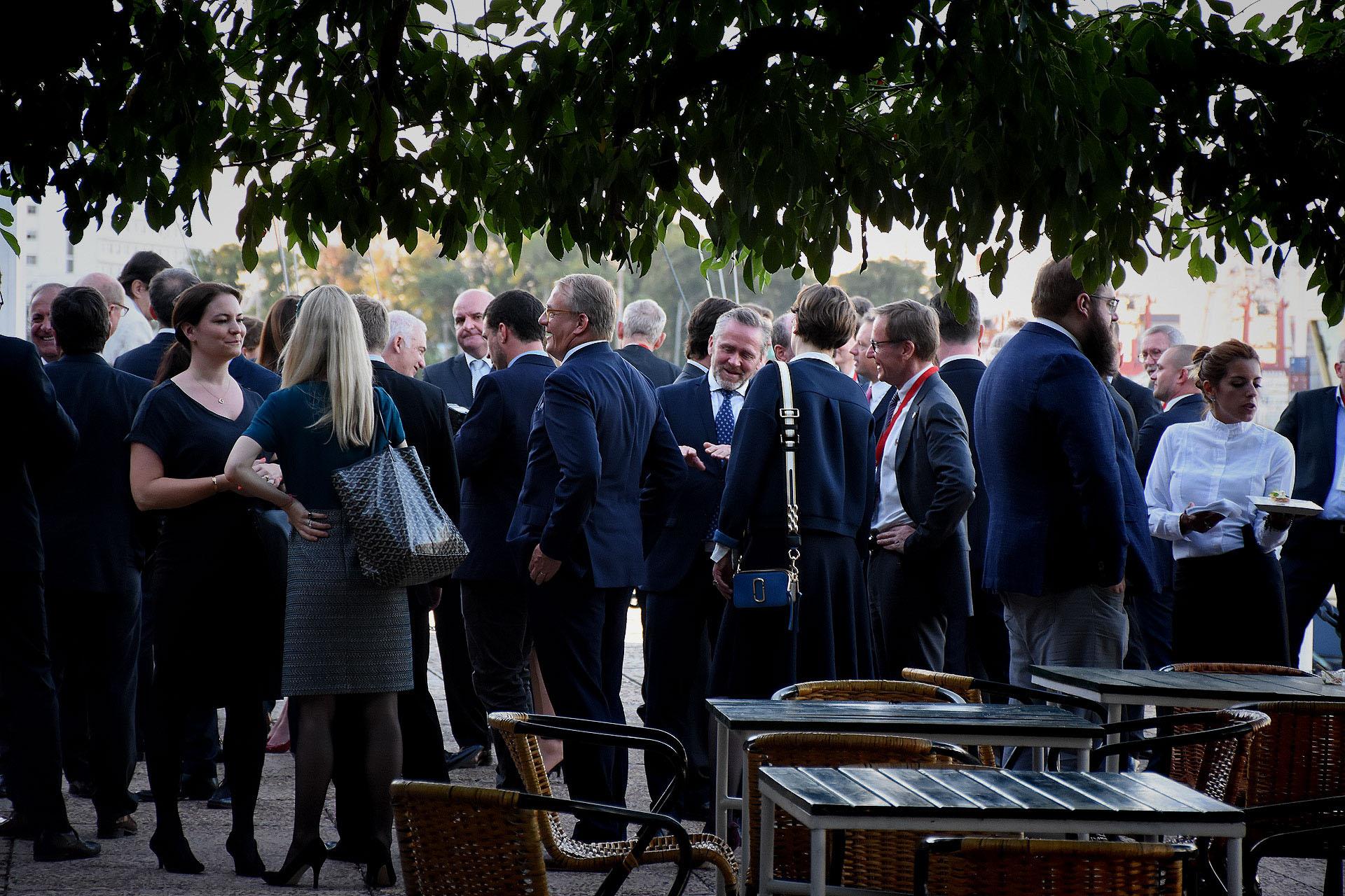 Acompañaron al evento a su majestad la Reina y su hijo el príncipe heredero una delegación de 30 empresas. Se trata de compañías líderes de los sectores de agronegocios (alimentos, maquinaria agrícola), energías renovables (agua, biogás, entre otras) y salud