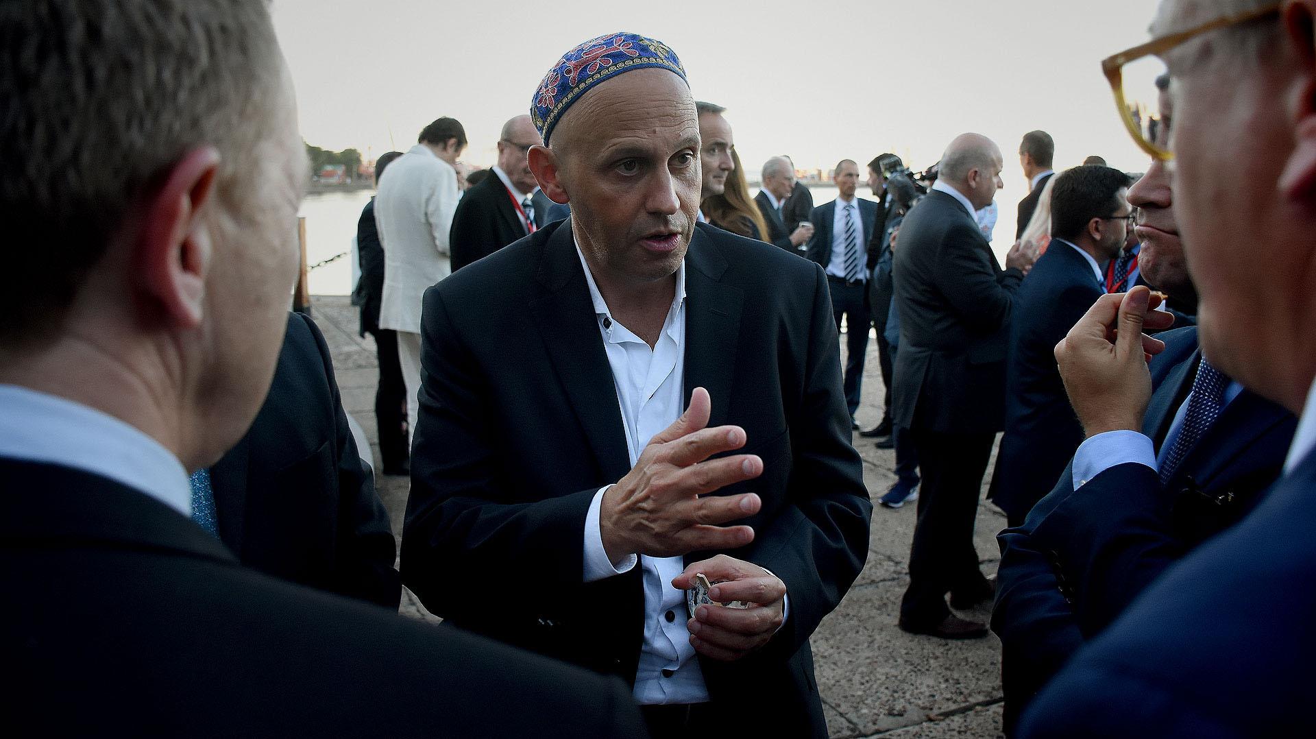 El secretario de gobierno de ambiente y desarrollo sustentable, Sergio Bergman, como parte de los invitados a la recepción