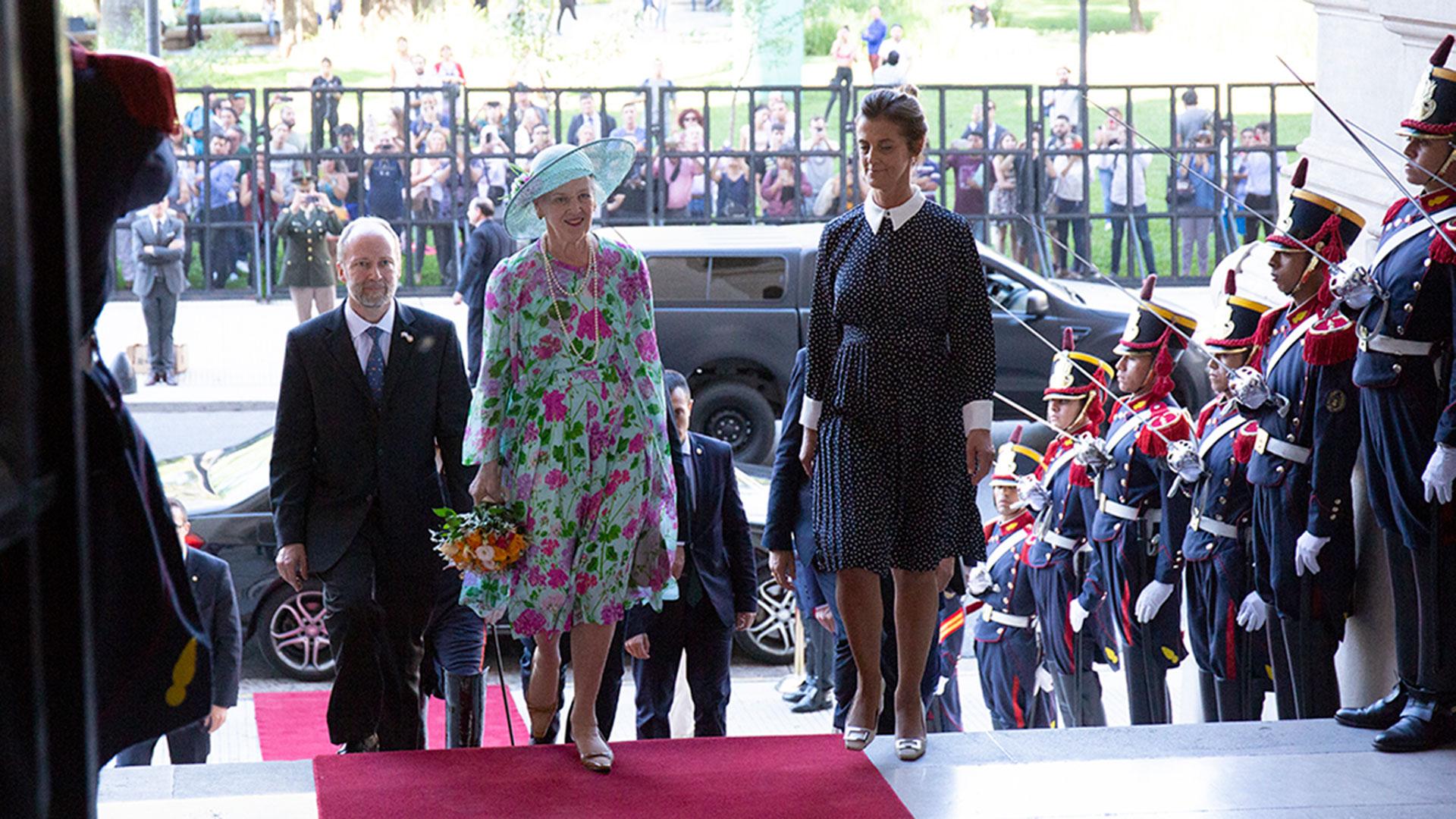Más tarde, el presidente argentino, Mauricio Macri, junto a Juliana Awada la recibieron en la Casa Rosada