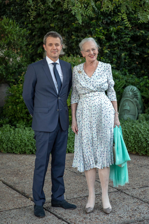 Margarita II viajó acompañada por su hijo mayor, el príncipe heredero Federico