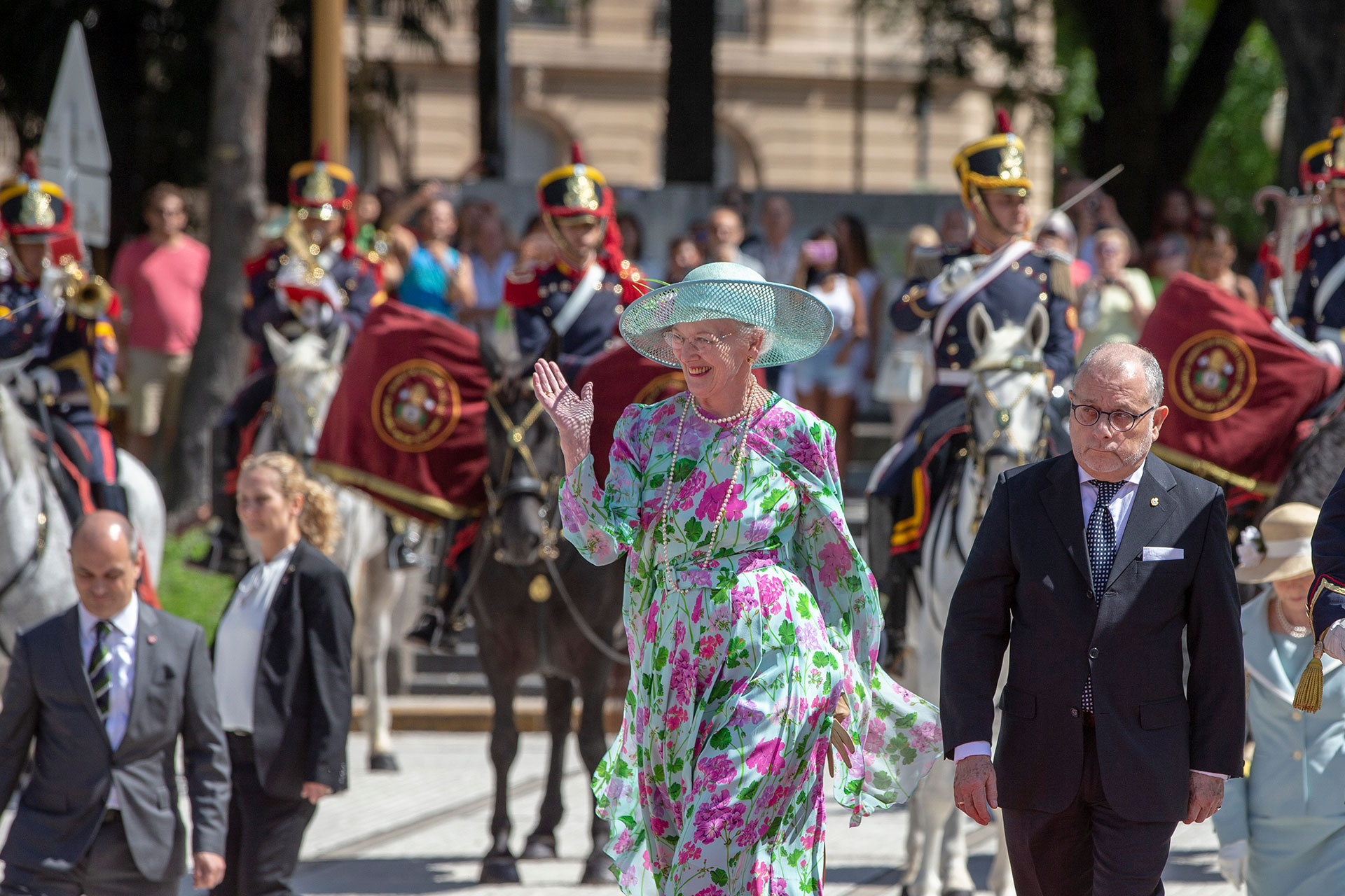 La visita a la Argentina es el viaje número 54 de la reina