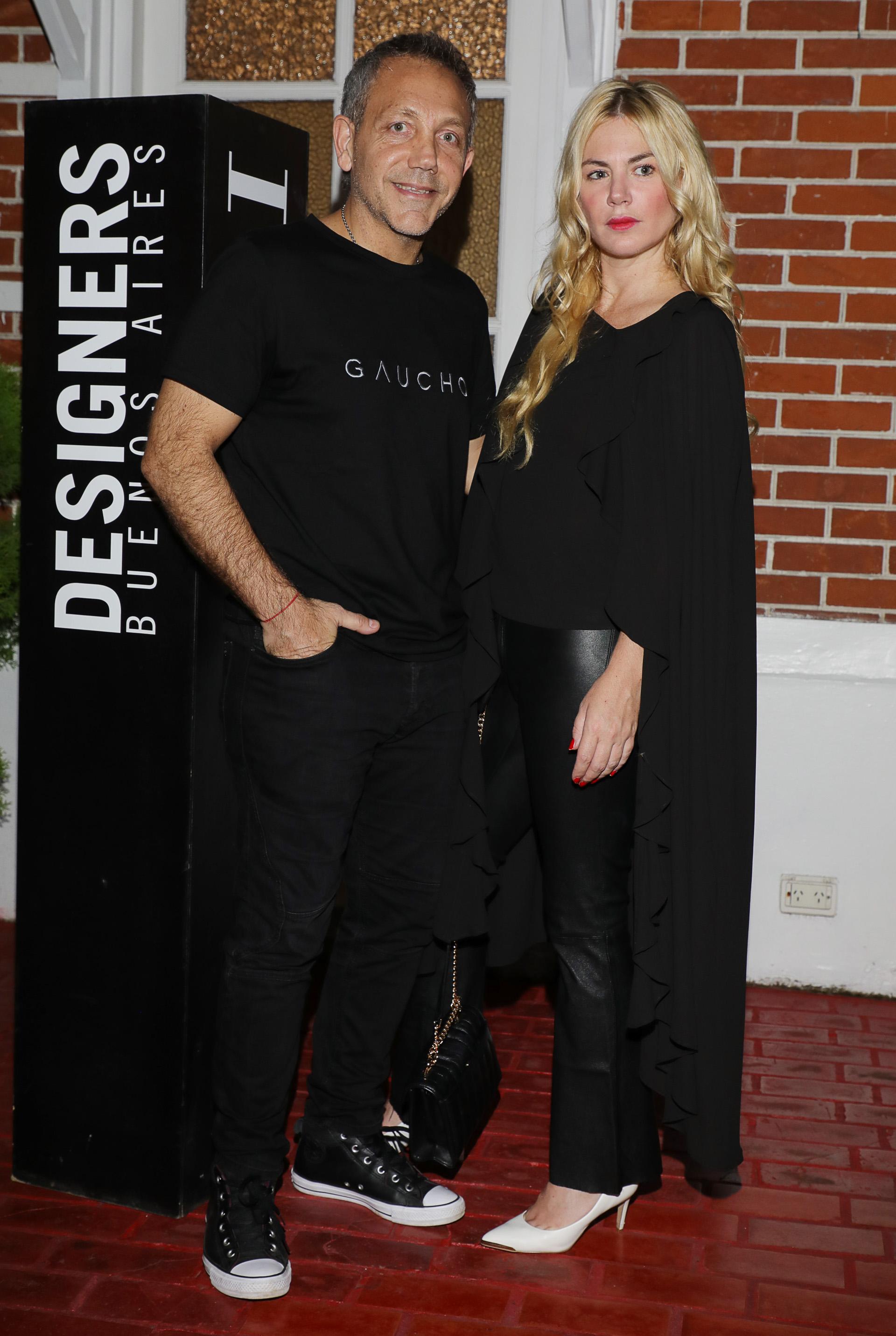 Guillermo Azar, productor de Designers BA y Esmeralda Mitre