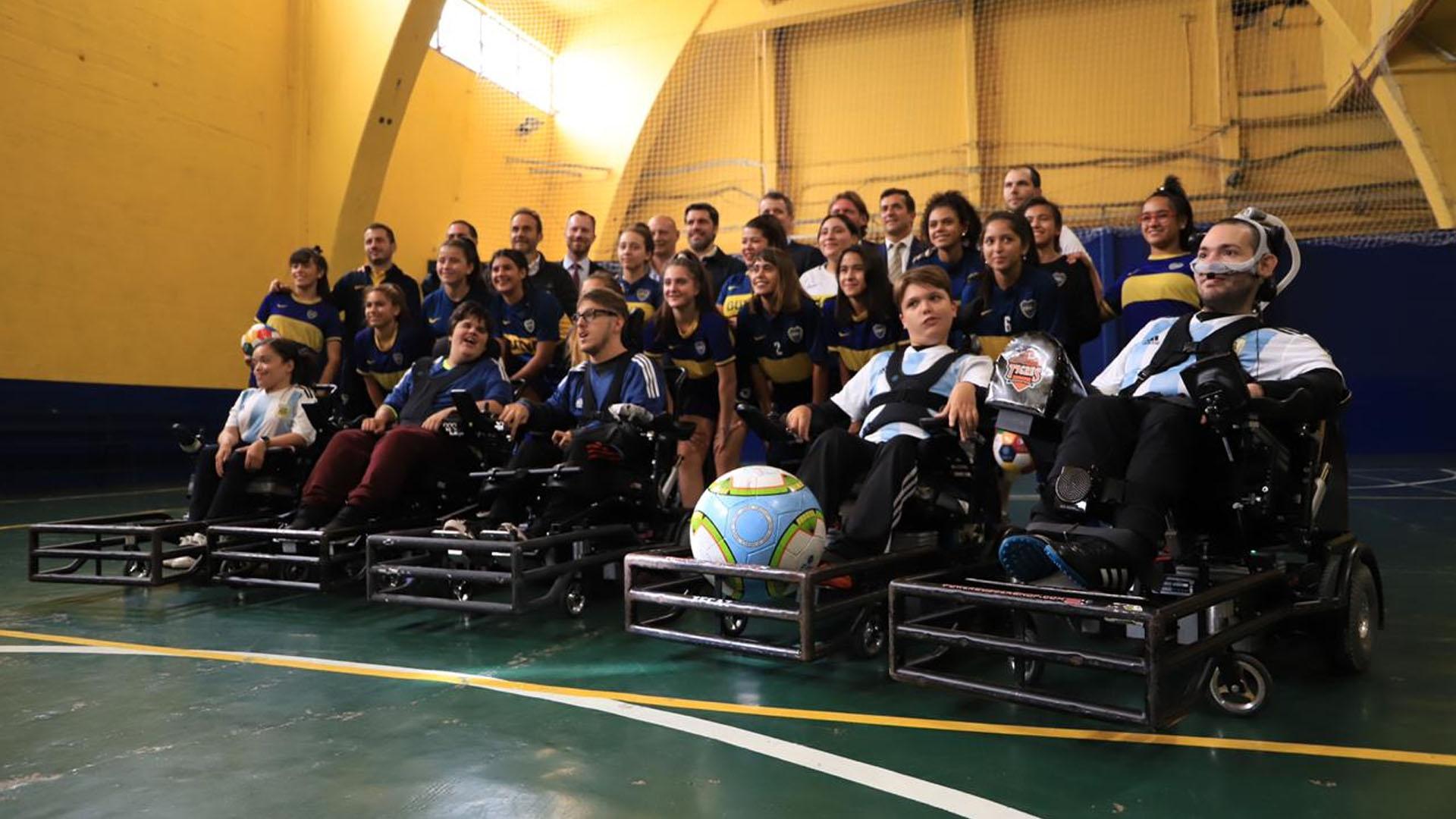 """El lema de la visita fue """"el deporte como una herramienta de integración e inclusión"""". La embajada de Dinamarca en Argentina apoya al programa """"Liga de Potrero femenina"""""""