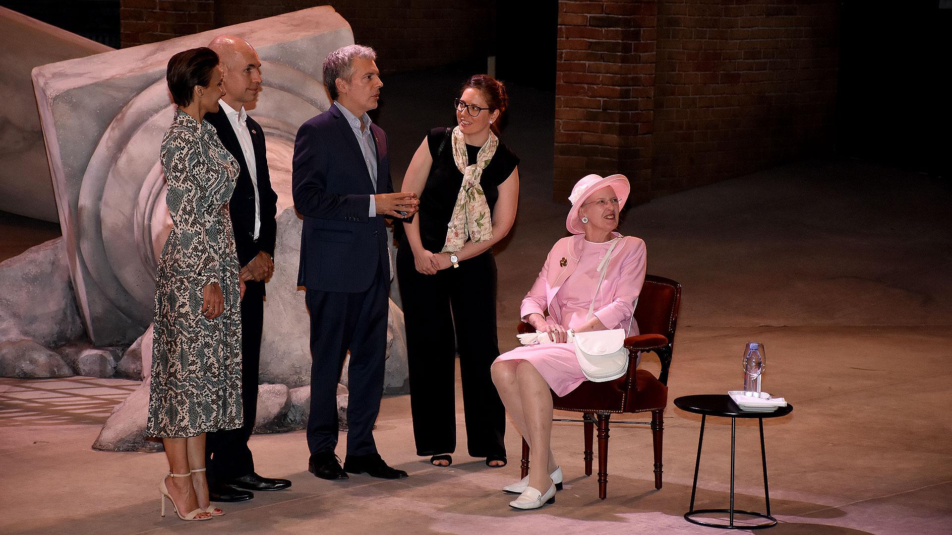 Margarita II pudo apreciar la majestuosidad del Teatro Colón desde el escenario