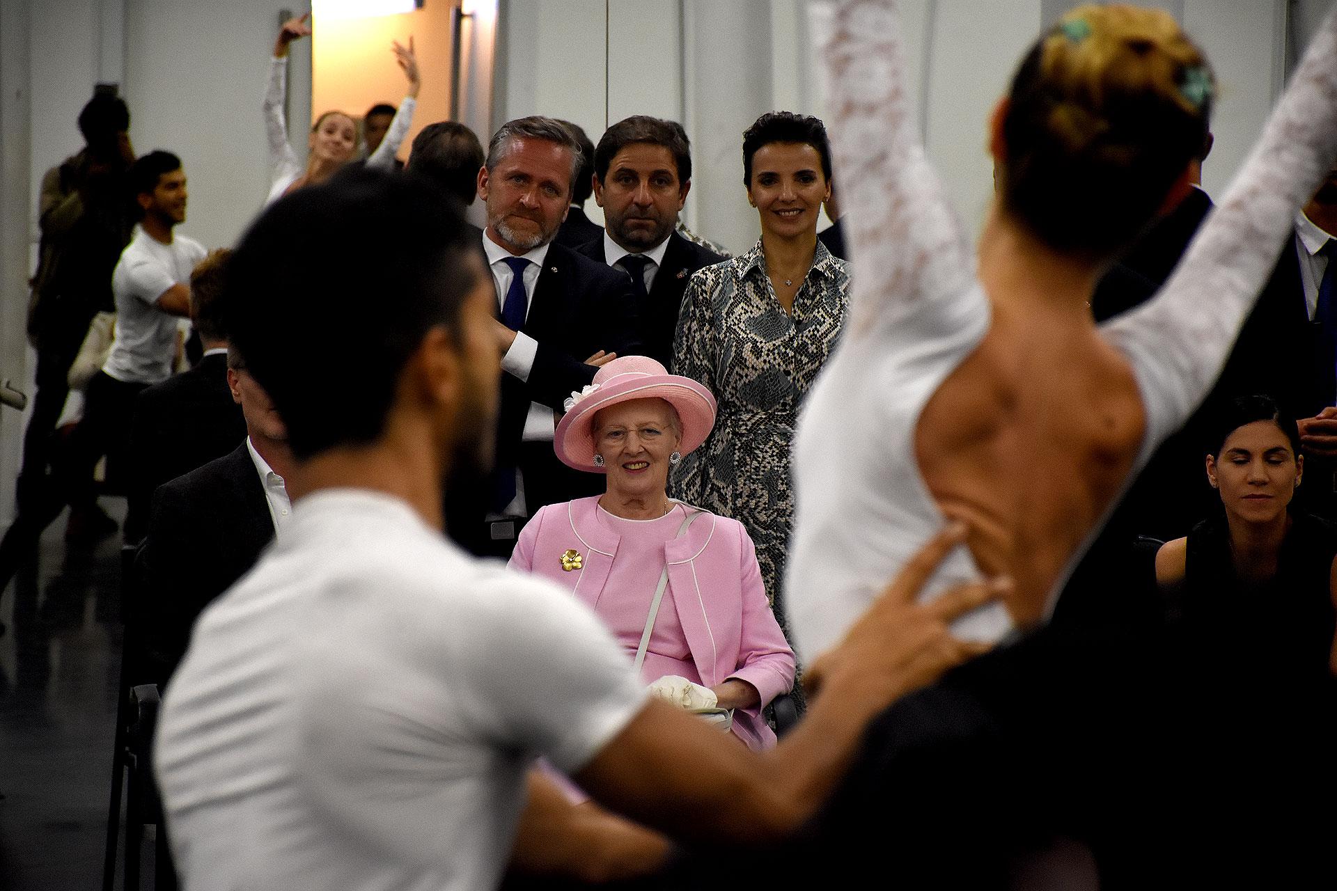 La mirada atenta a Jivo Velázquez y Camila Bocca, primeros bailarines