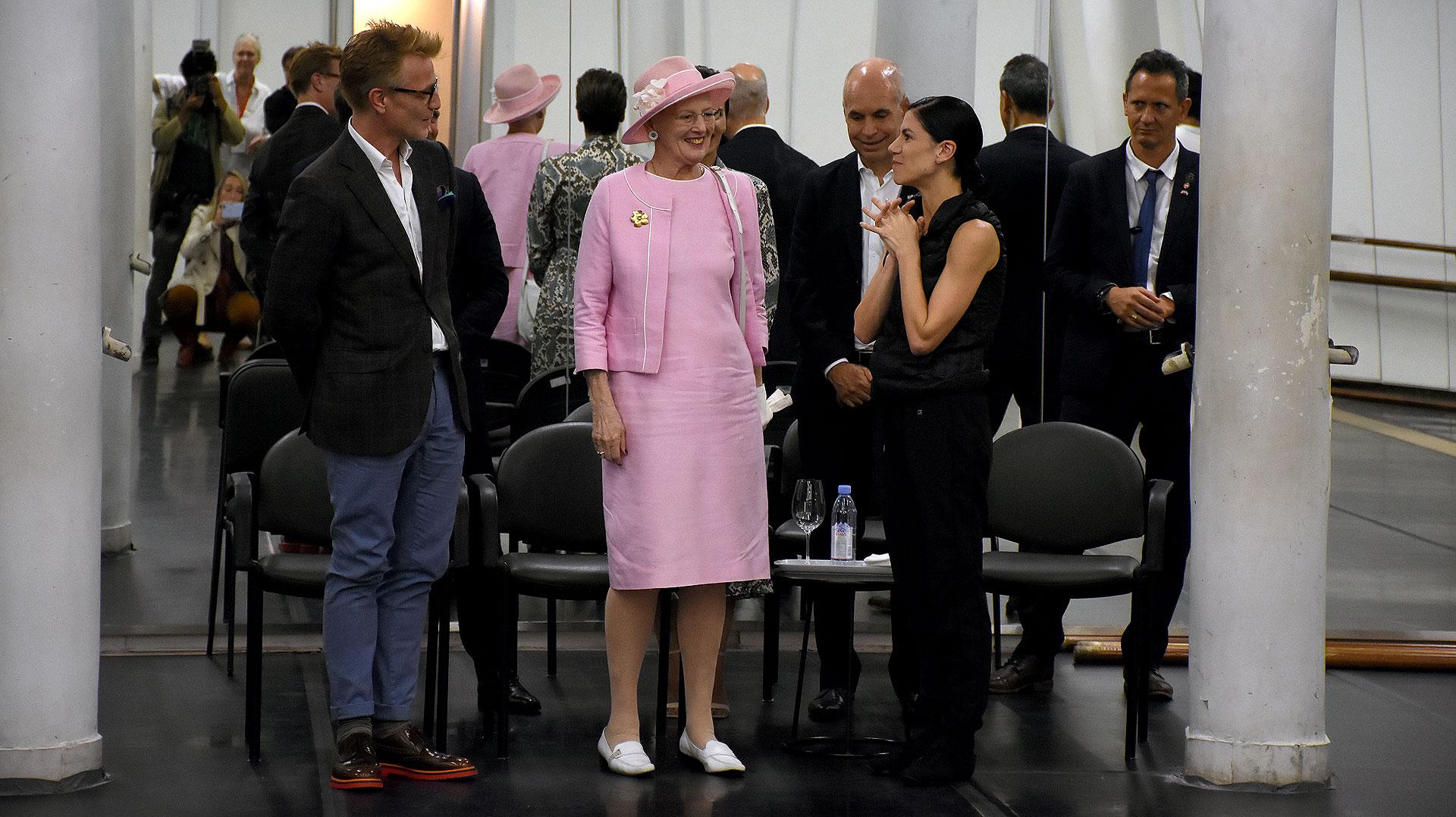 Paloma Herrera le mostró parte del ensayo de bailarines de Don Quijote a la Reina y al director artístico del Teatro Real de Dinamarca y maestro de Ballet, Nikolaj Hübbe
