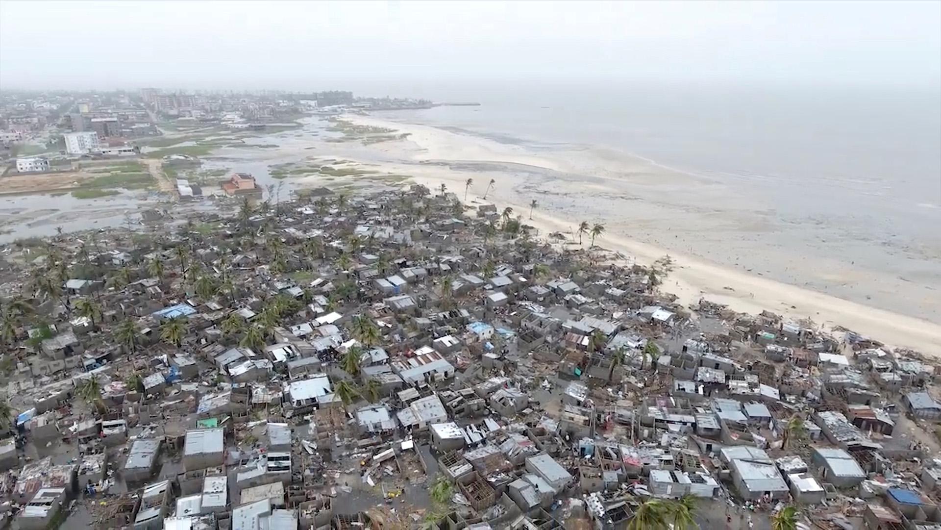 Las imágenes de drones muestran la destrucción después del ciclón Idai en el asentamiento de Praia Nova, que se encuentra en el borde de Beira, Mozambique, el 18 de marzo. (Reuters)
