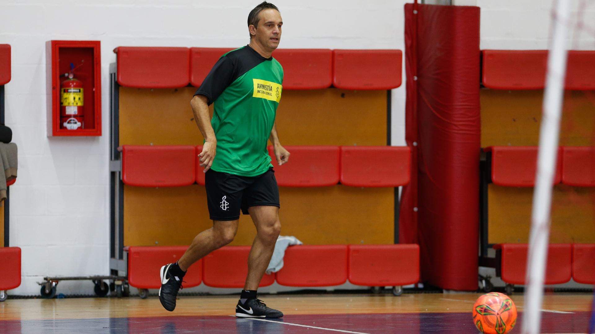 El árbitro Patricio Loustau (Nicolás Aboaf)