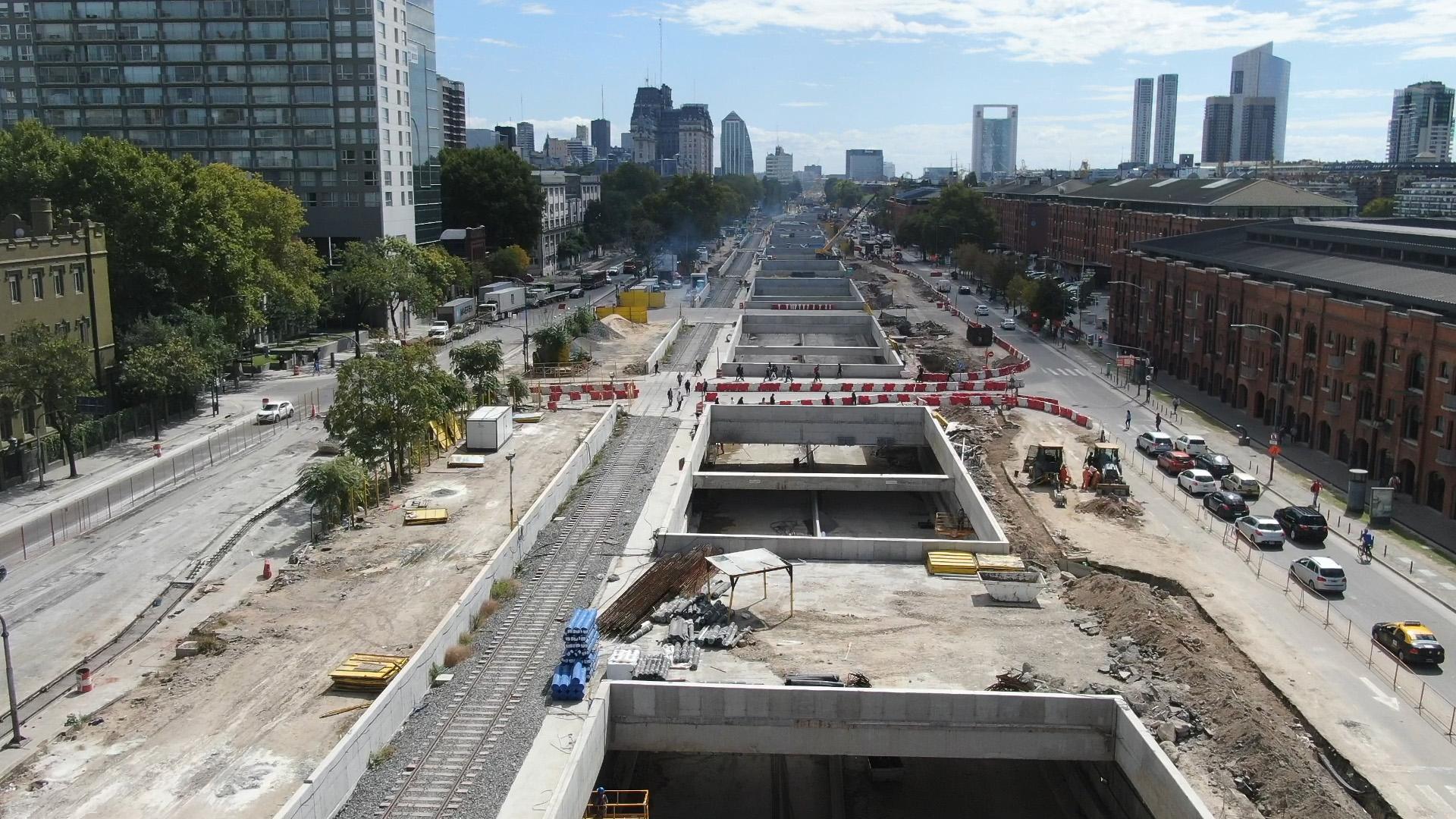 Los autos cicrularan al nivel de la calle, mientras que camiones y micros por viaductos y trincheras