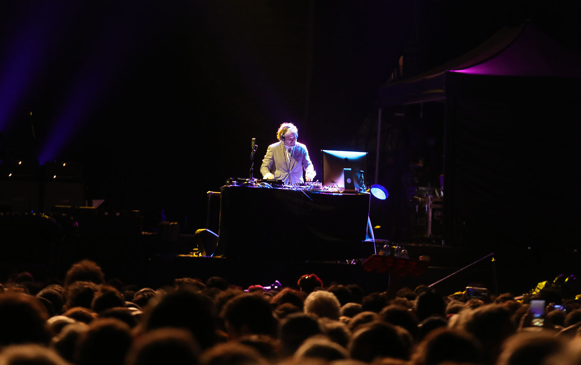 DJ Cris se presentó desde las consolas (Christian Bochichio / Teleshow)