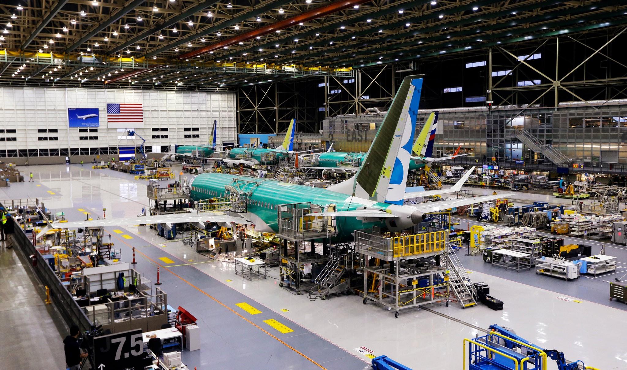 Un de los aviones Max más recientes en 2015 durante el desarrollo del modelo, un equipo produjo simultáneamente 16 diseños en una semana, el doble que la cantidad, dijo un empleado de diseño de Boeing (Foto: AP)