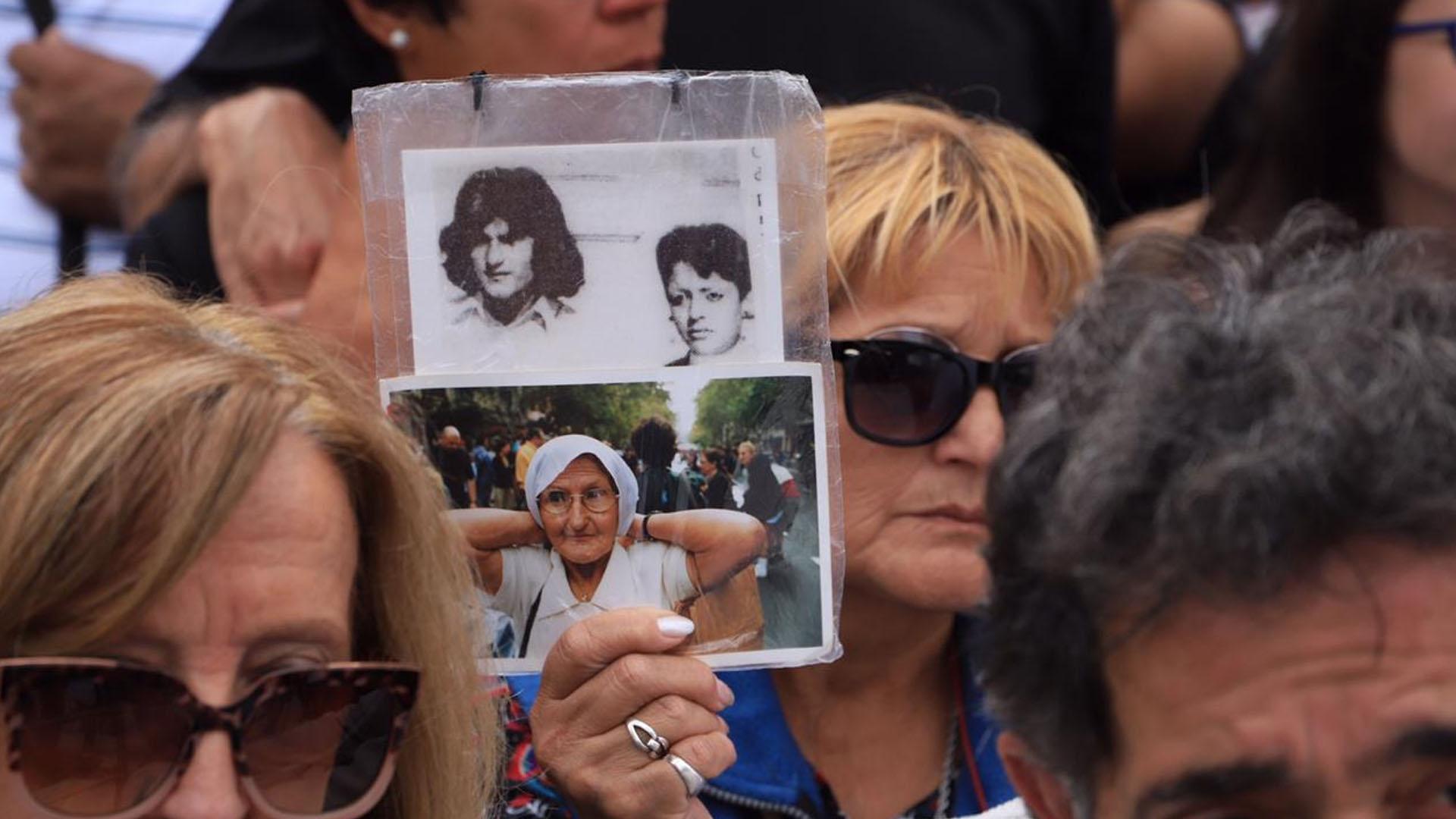 En el acto también hubo familiares de jóvenes desaparecidos