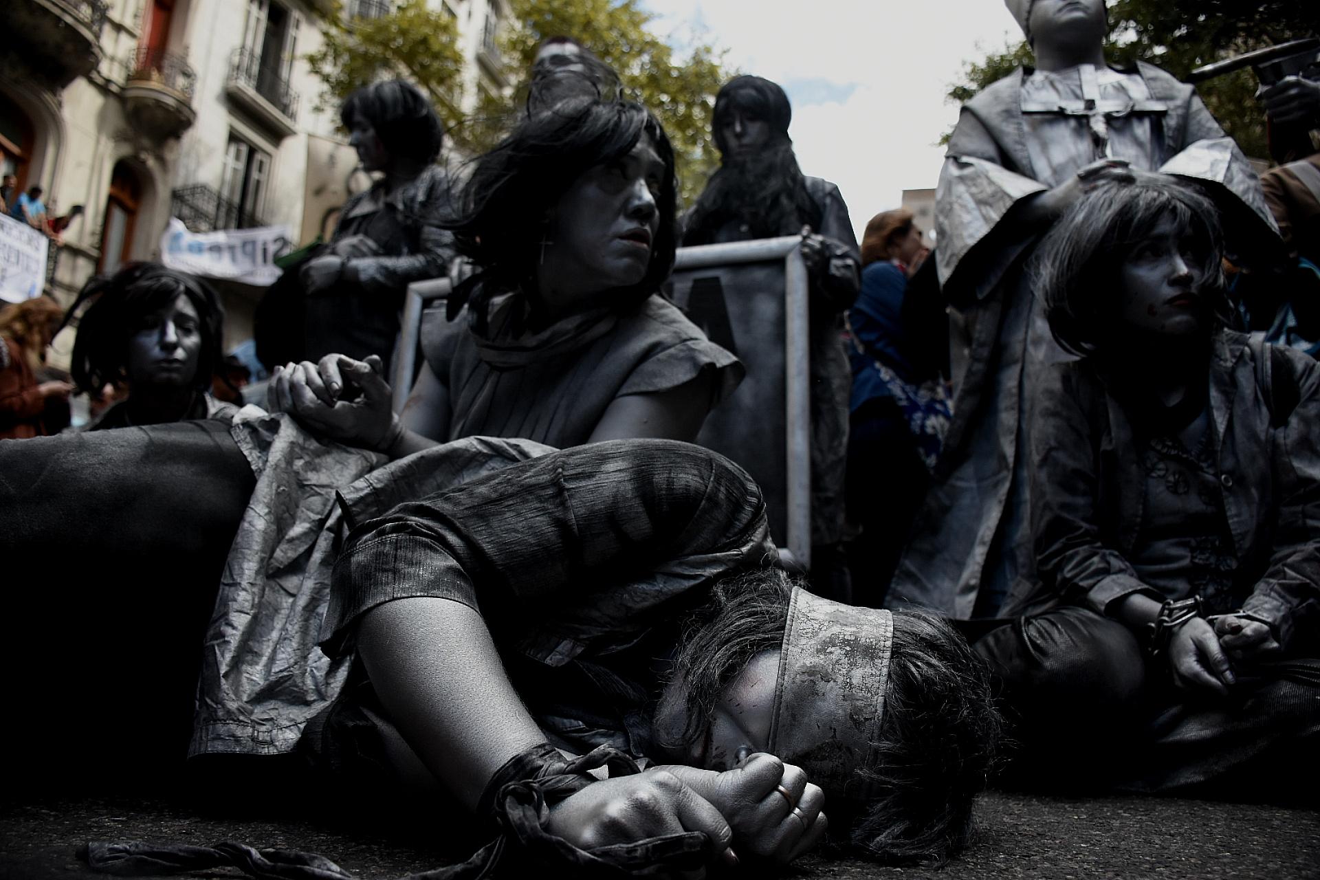 Una expresión artística recordando lo sucedido durante la dictadura militar