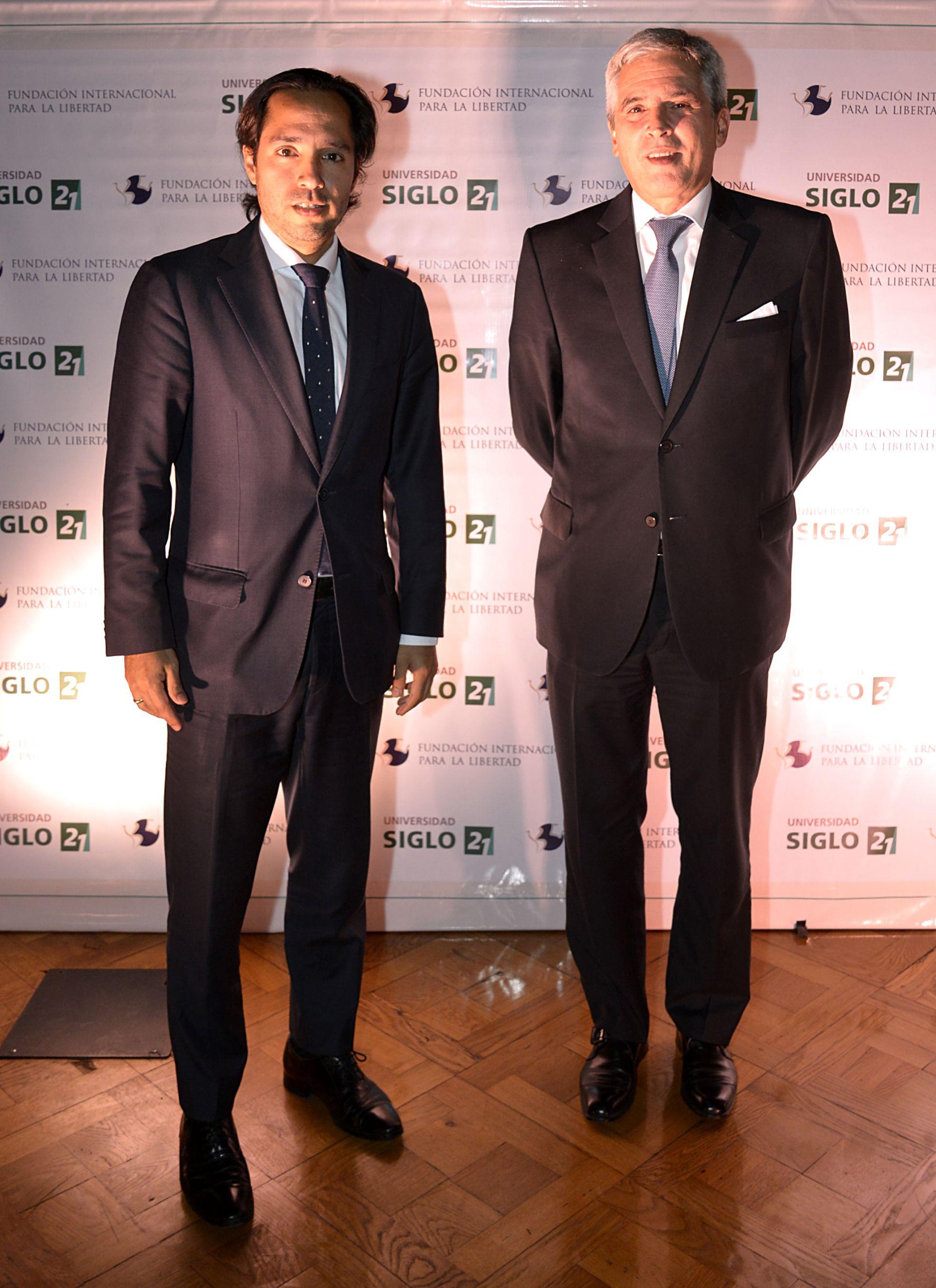 Cesar Talavera, Consejero Cultural de la embajada del Perú en la Argentina, y el embajador Peter Camino
